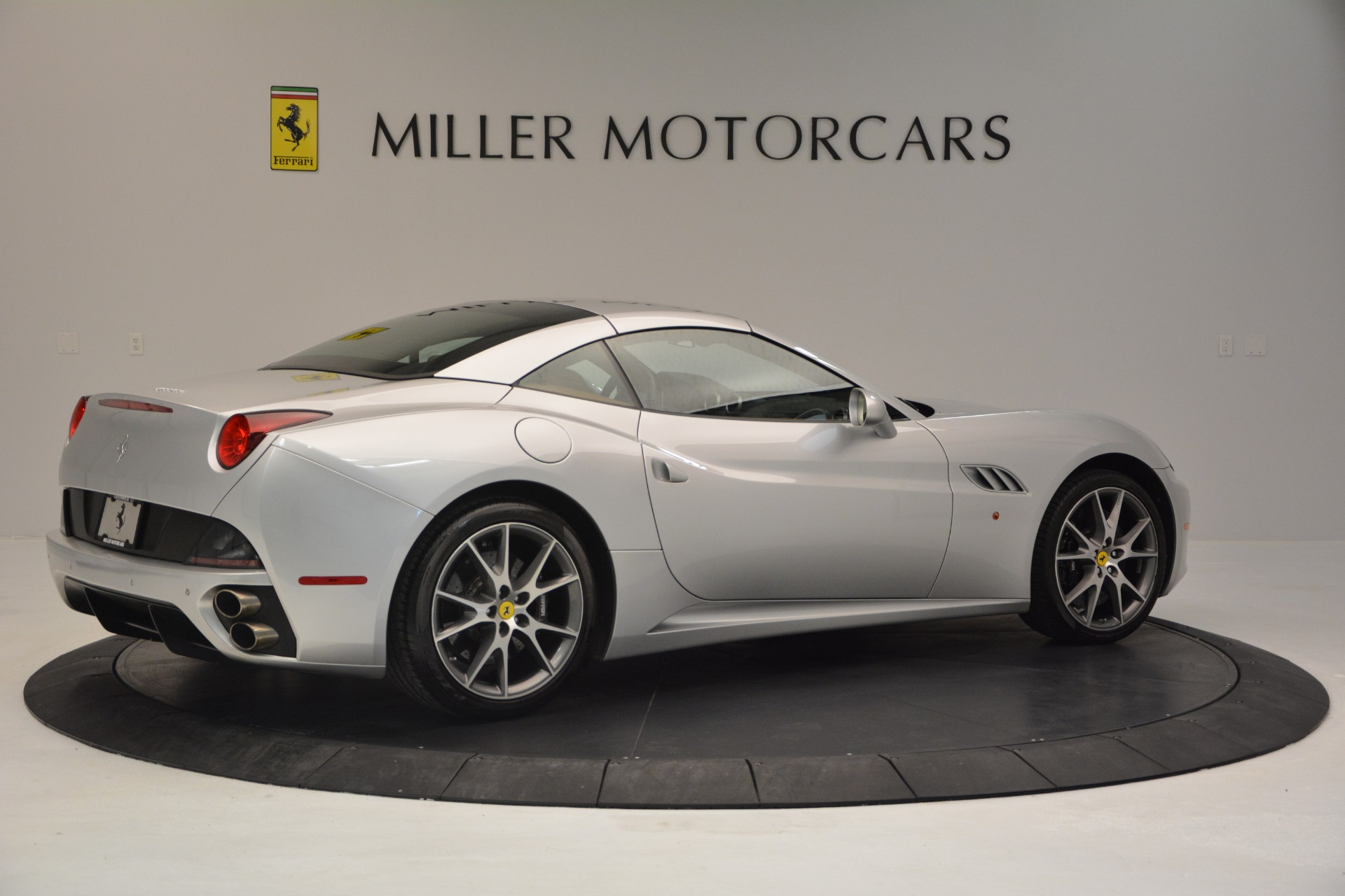 Used 2010 Ferrari California  For Sale In Greenwich, CT 2732_p20