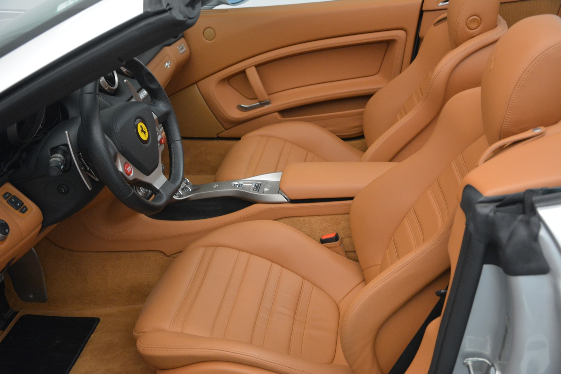 Used 2010 Ferrari California  For Sale In Greenwich, CT 2732_p28