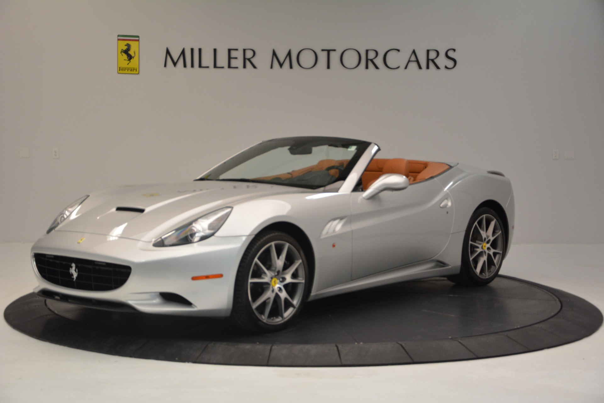 Used 2010 Ferrari California  For Sale In Greenwich, CT 2732_p2