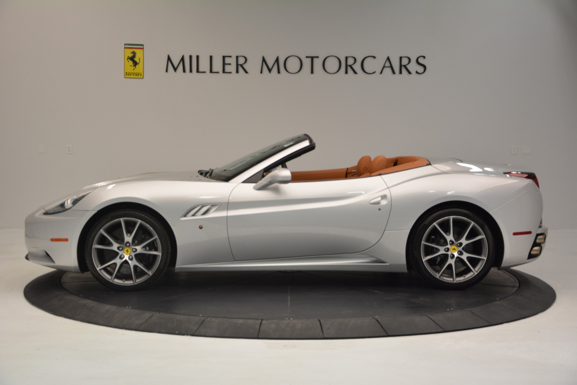 Used 2010 Ferrari California  For Sale In Greenwich, CT 2732_p3