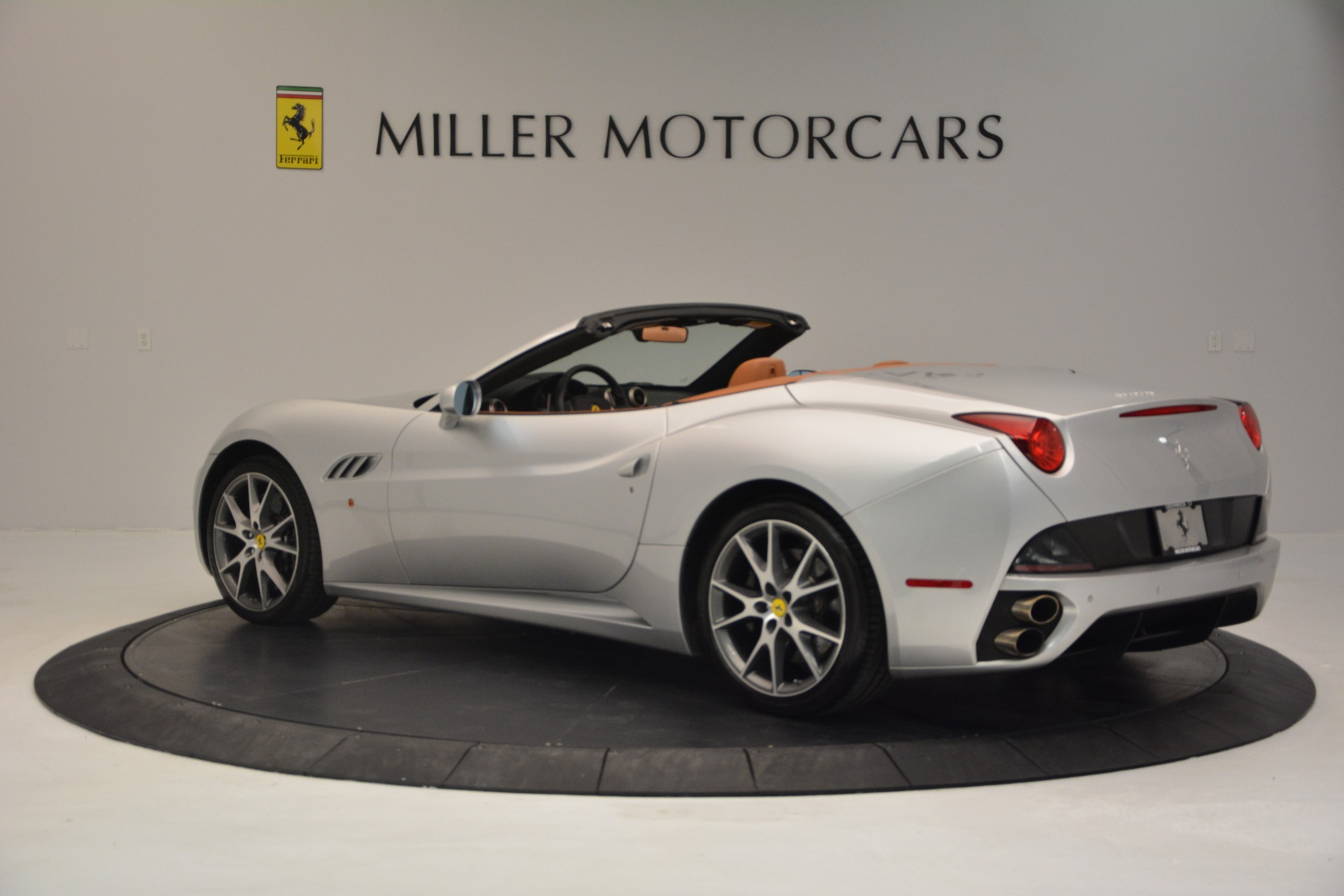 Used 2010 Ferrari California  For Sale In Greenwich, CT 2732_p4