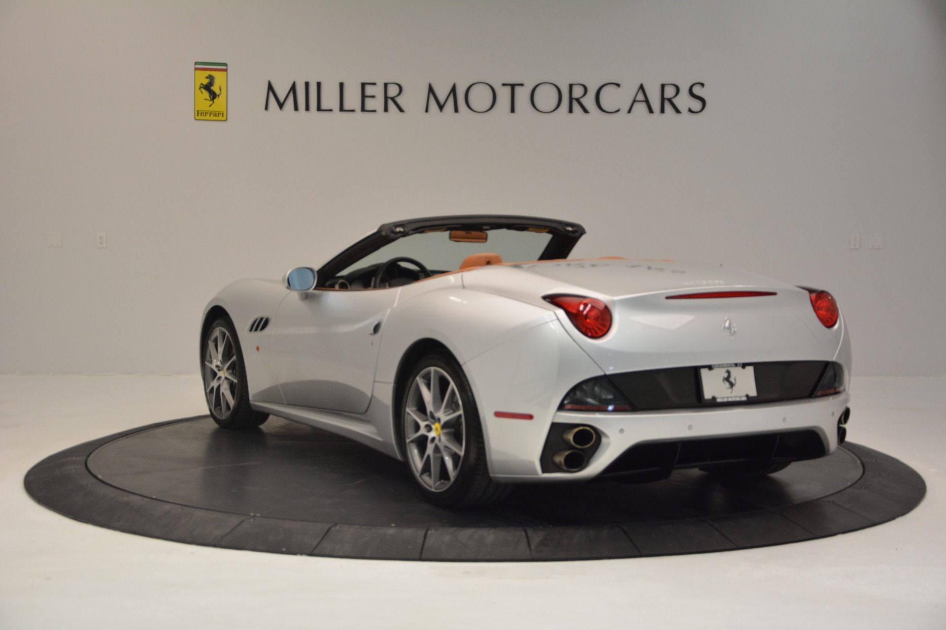 Used 2010 Ferrari California  For Sale In Greenwich, CT 2732_p5