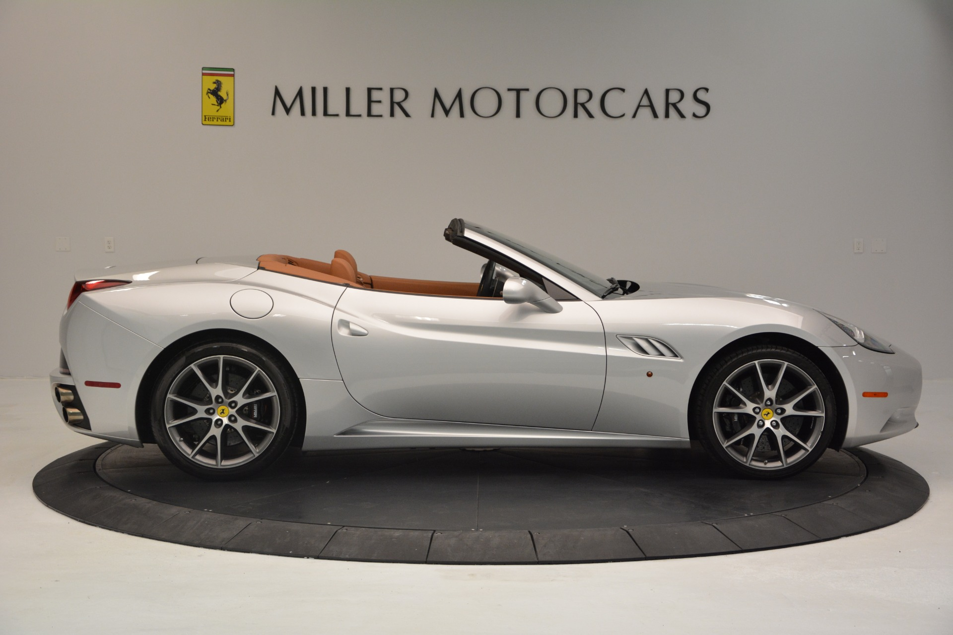 Used 2010 Ferrari California  For Sale In Greenwich, CT 2732_p9