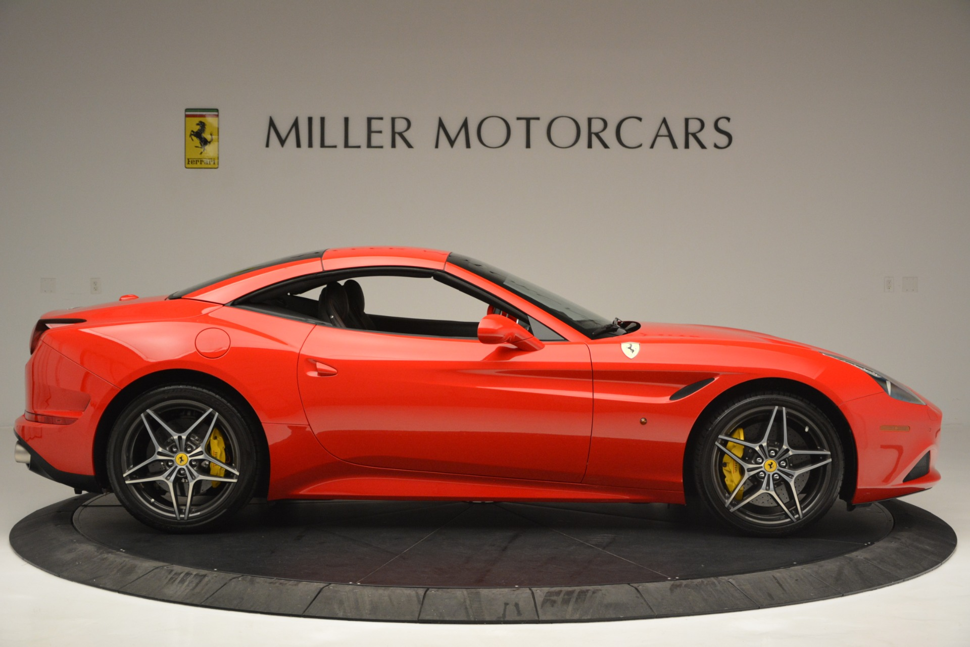Used 2016 Ferrari California T  For Sale In Greenwich, CT 2734_p21