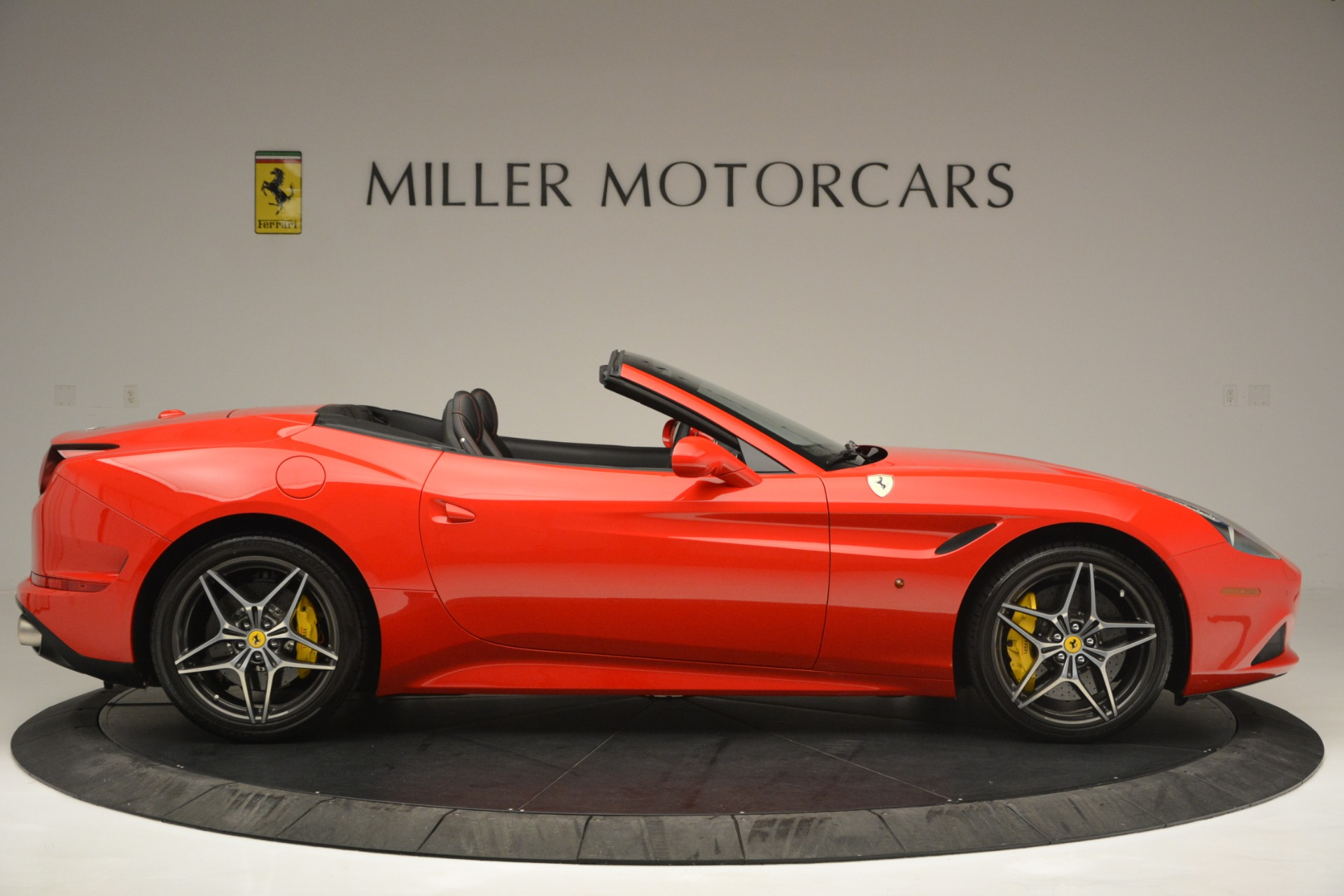 Used 2016 Ferrari California T  For Sale In Greenwich, CT 2734_p9