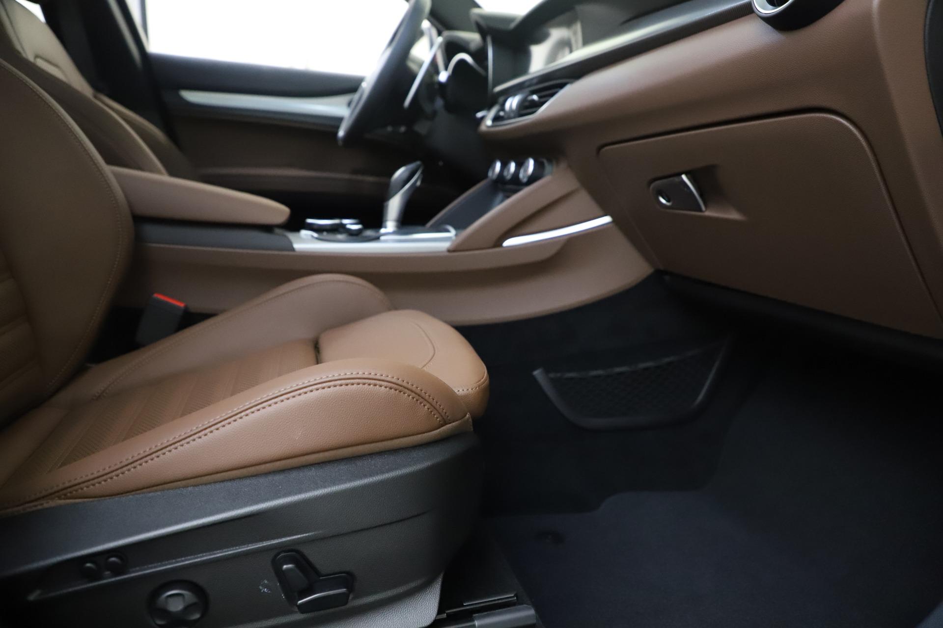 New 2019 Alfa Romeo Stelvio Ti Sport Q4 For Sale In Greenwich, CT 2744_p23