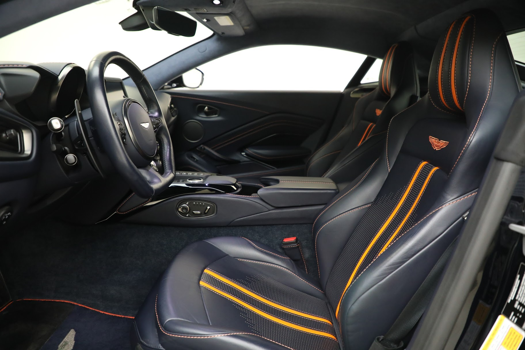 New 2019 Aston Martin Vantage  For Sale In Greenwich, CT 2756_p13