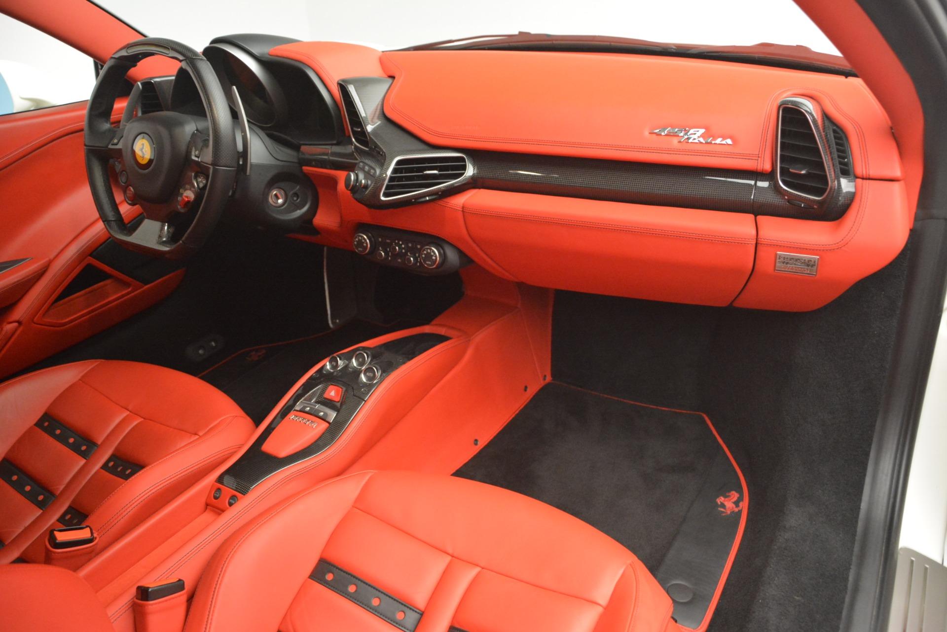 Used 2012 Ferrari 458 Italia  For Sale In Greenwich, CT 2781_p17