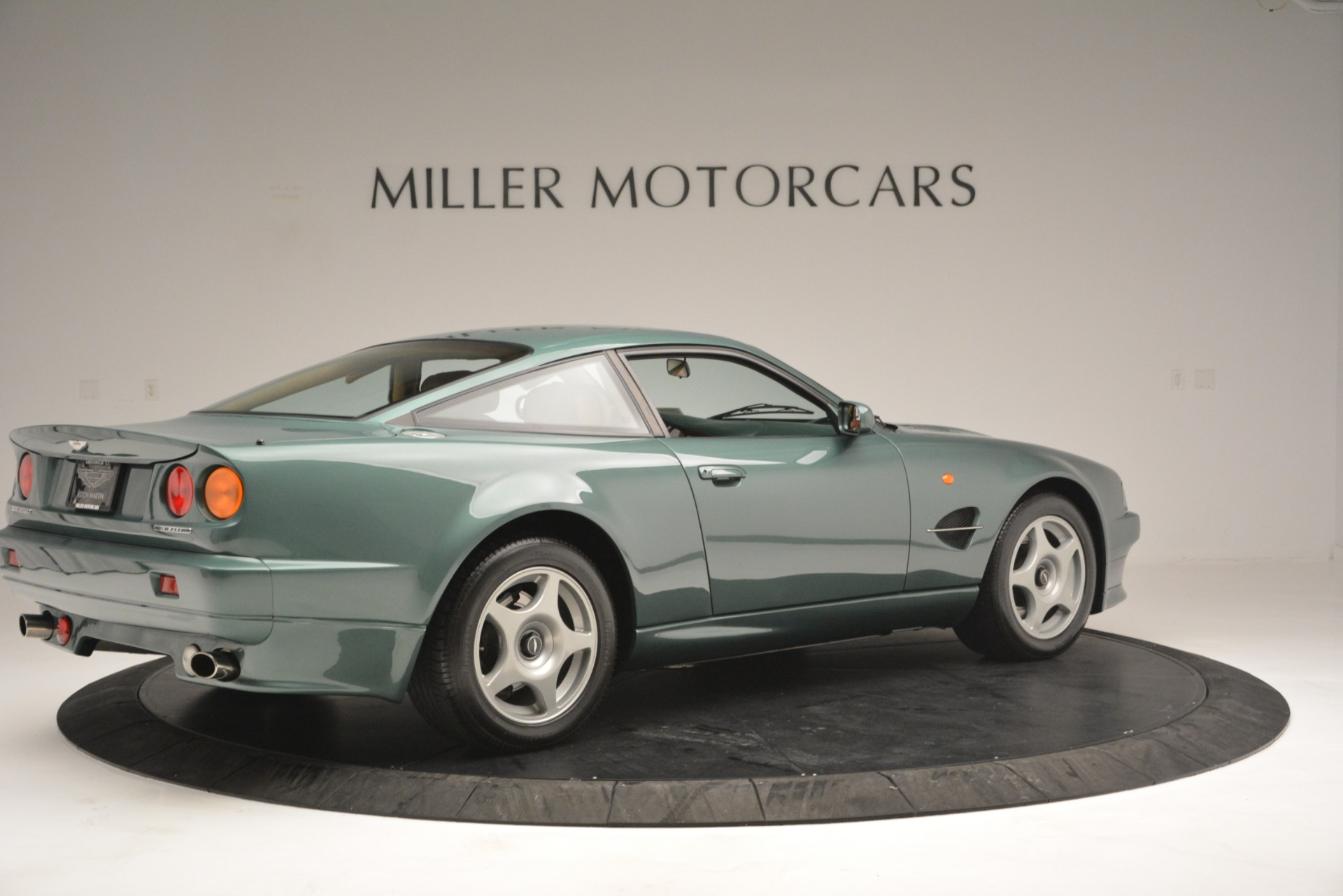 Used 1999 Aston Martin V8 Vantage Le Mans V600 Coupe For Sale In Greenwich, CT 2789_p9