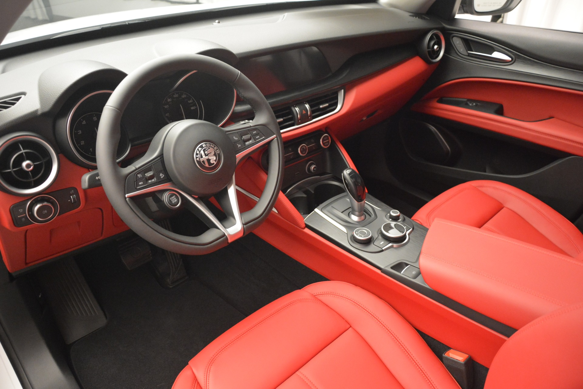 New 2019 Alfa Romeo Stelvio Q4 For Sale In Greenwich, CT 2819_p14