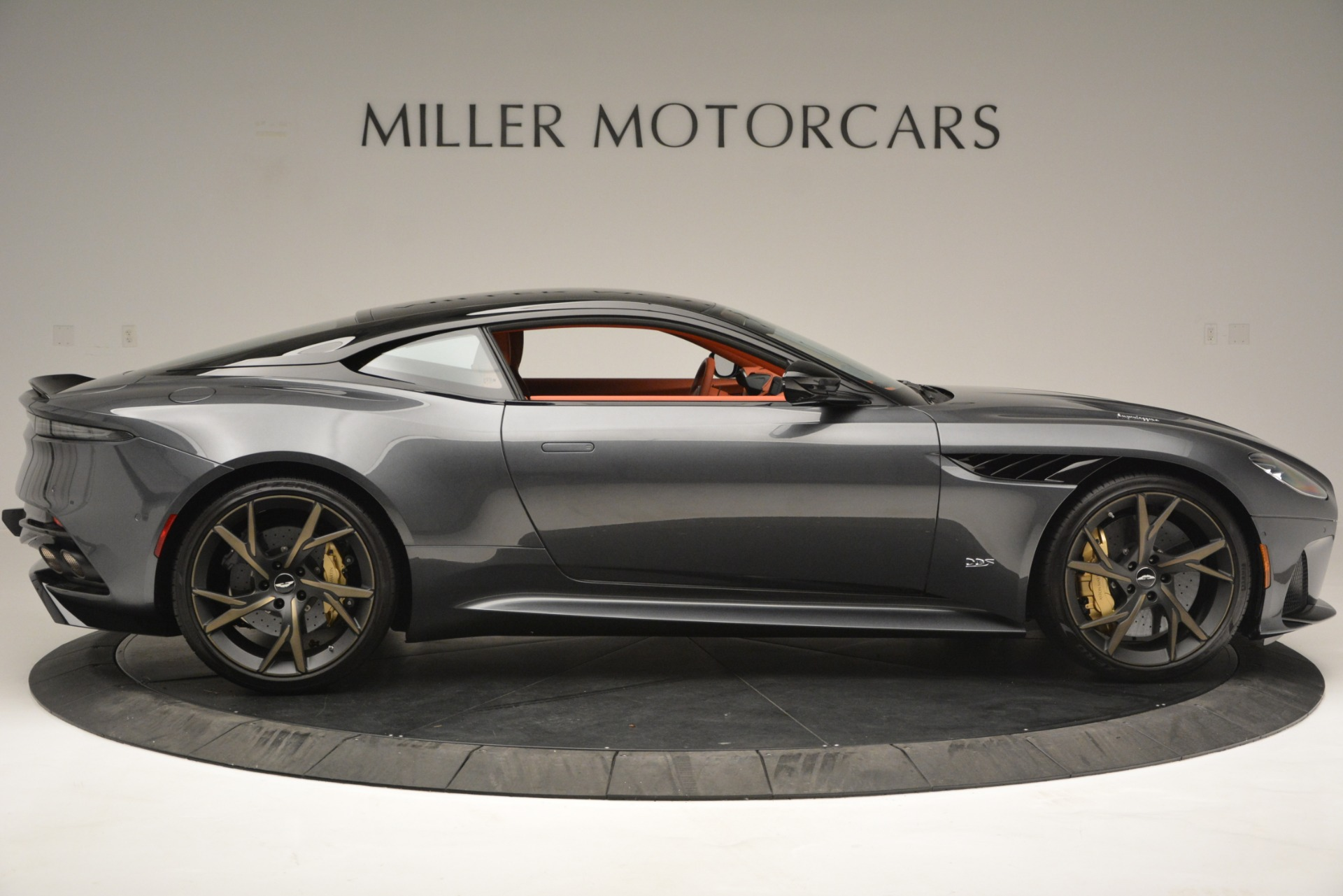 New 2019 Aston Martin DBS Superleggera For Sale In Greenwich, CT 2827_p9