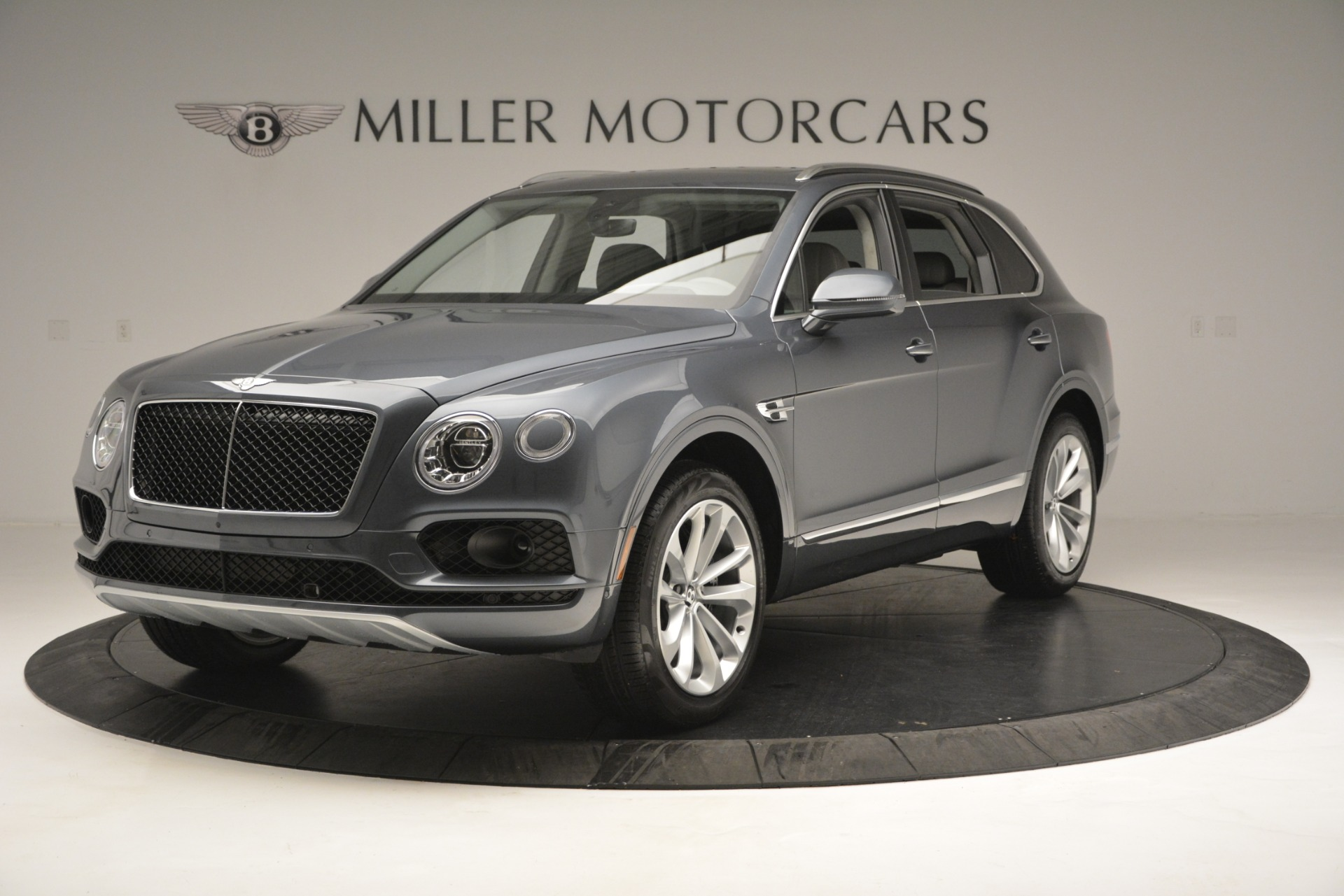 New 2019 Bentley Bentayga V8 For Sale In Greenwich, CT 2828_main