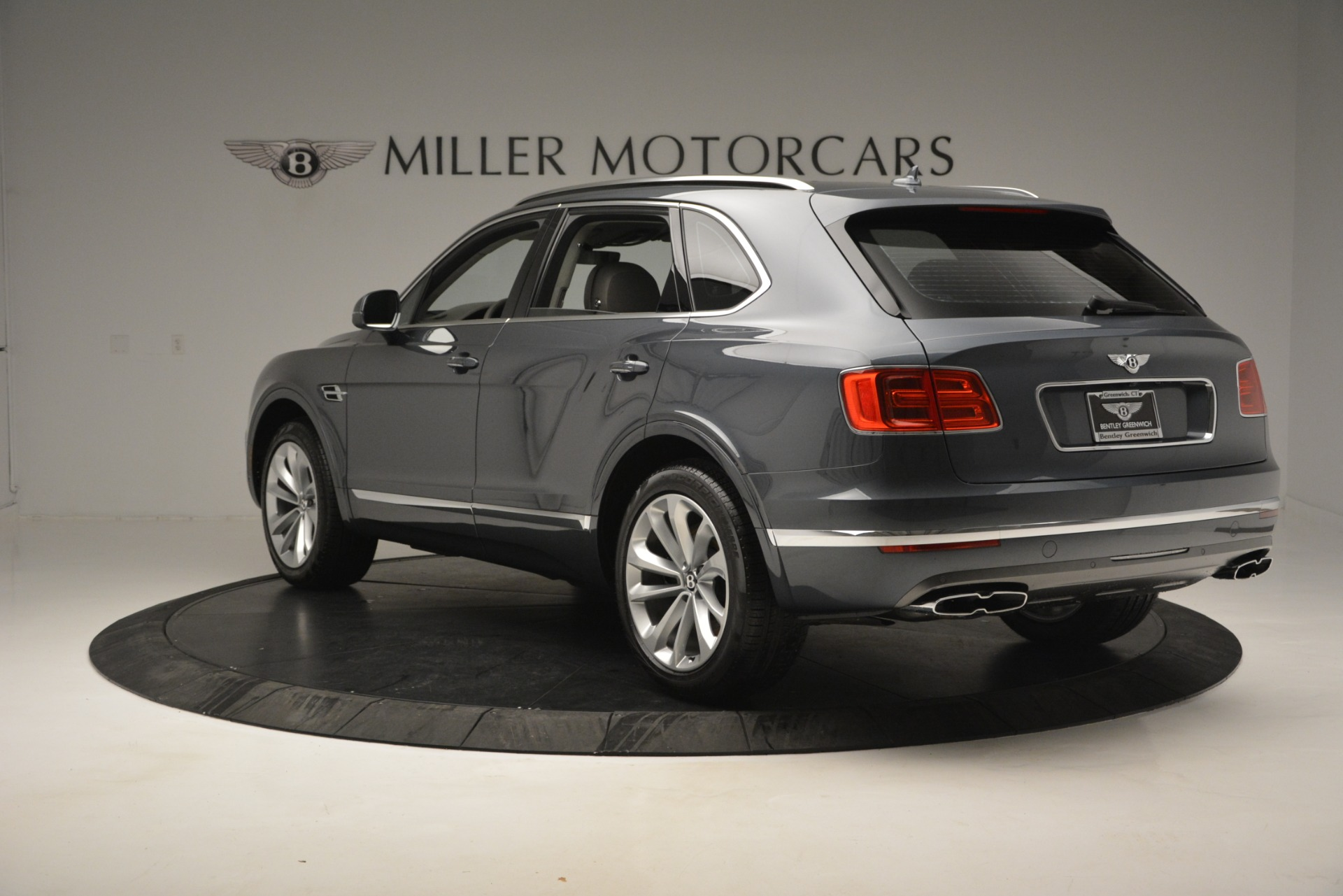 Used 2019 Bentley Bentayga V8 For Sale In Greenwich, CT 2828_p5