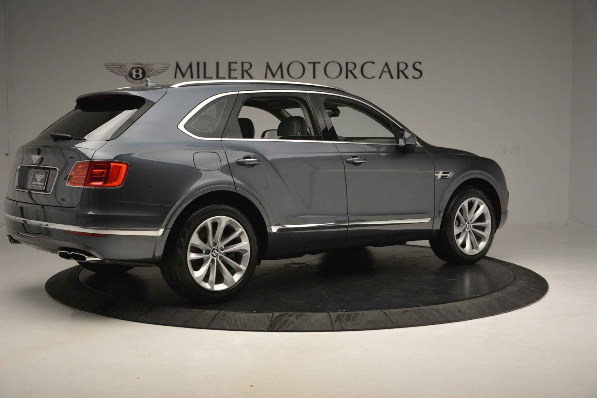 Used 2019 Bentley Bentayga V8 For Sale In Greenwich, CT 2828_p8
