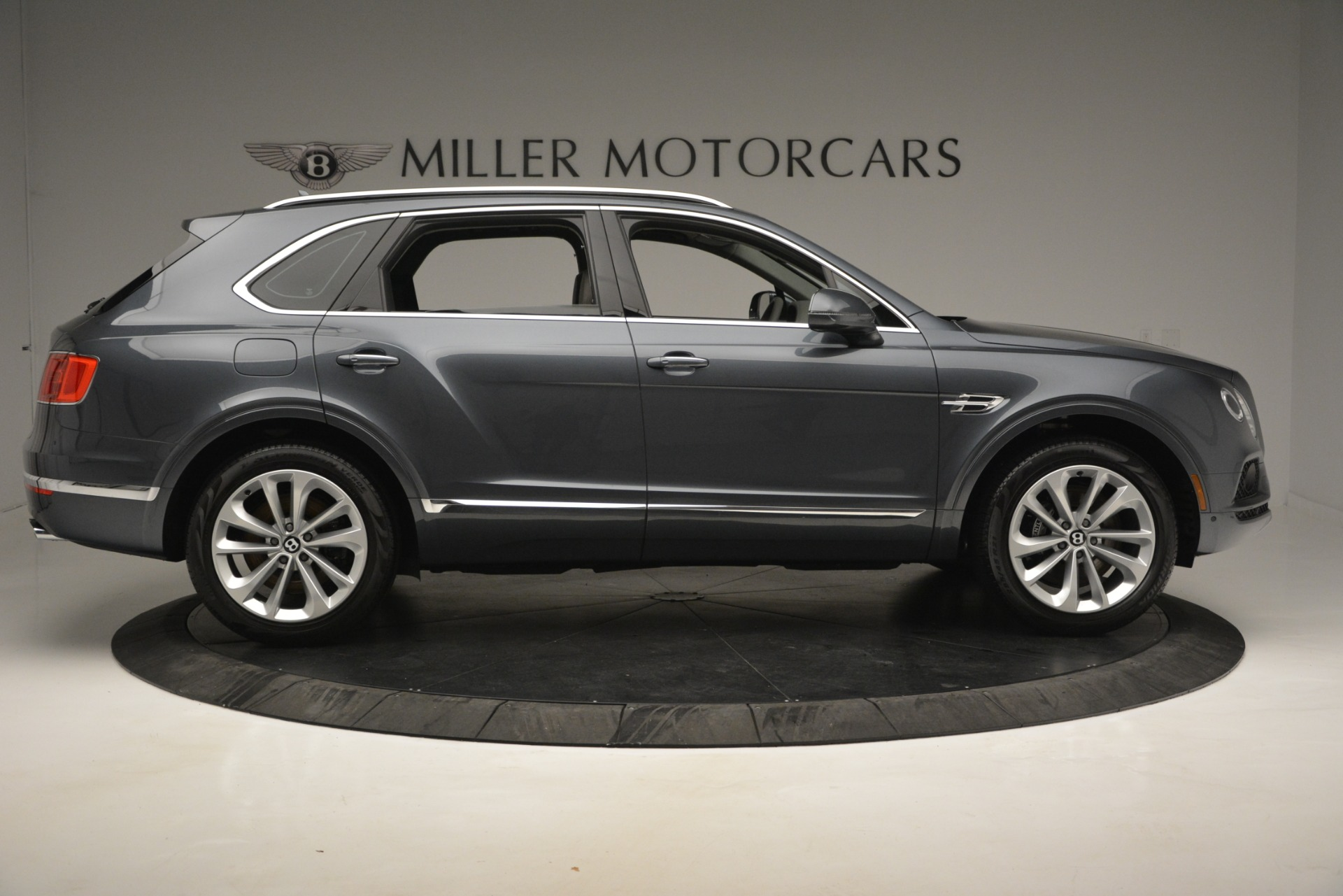 Used 2019 Bentley Bentayga V8 For Sale In Greenwich, CT 2828_p9
