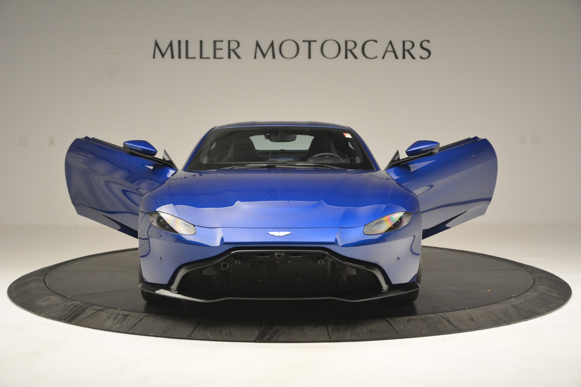 New 2019 Aston Martin Vantage  For Sale In Greenwich, CT 2831_p23