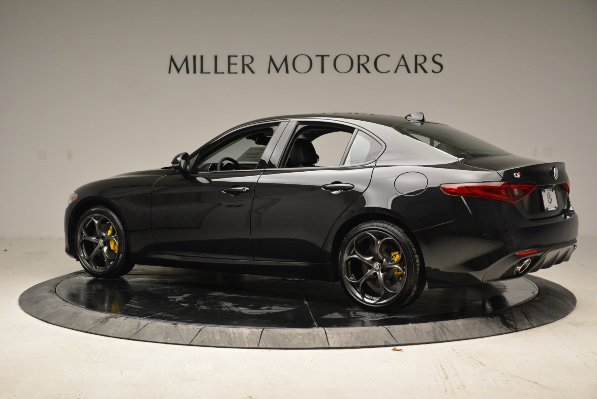 New 2019 Alfa Romeo Giulia Ti Sport Q4 For Sale In Greenwich, CT 2840_p4