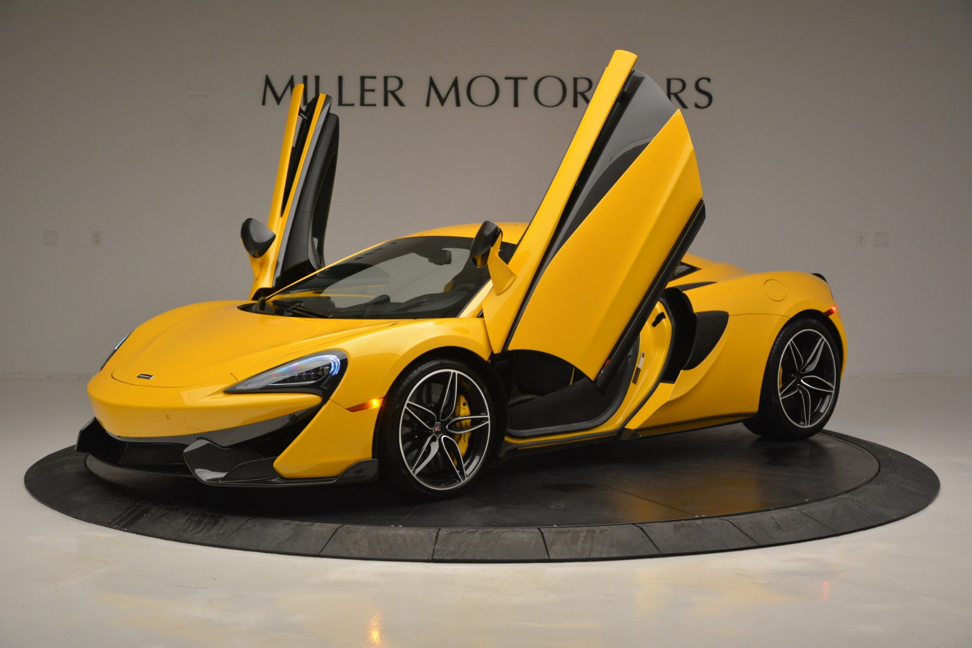 Used 2017 McLaren 570S  For Sale In Greenwich, CT 2843_p14