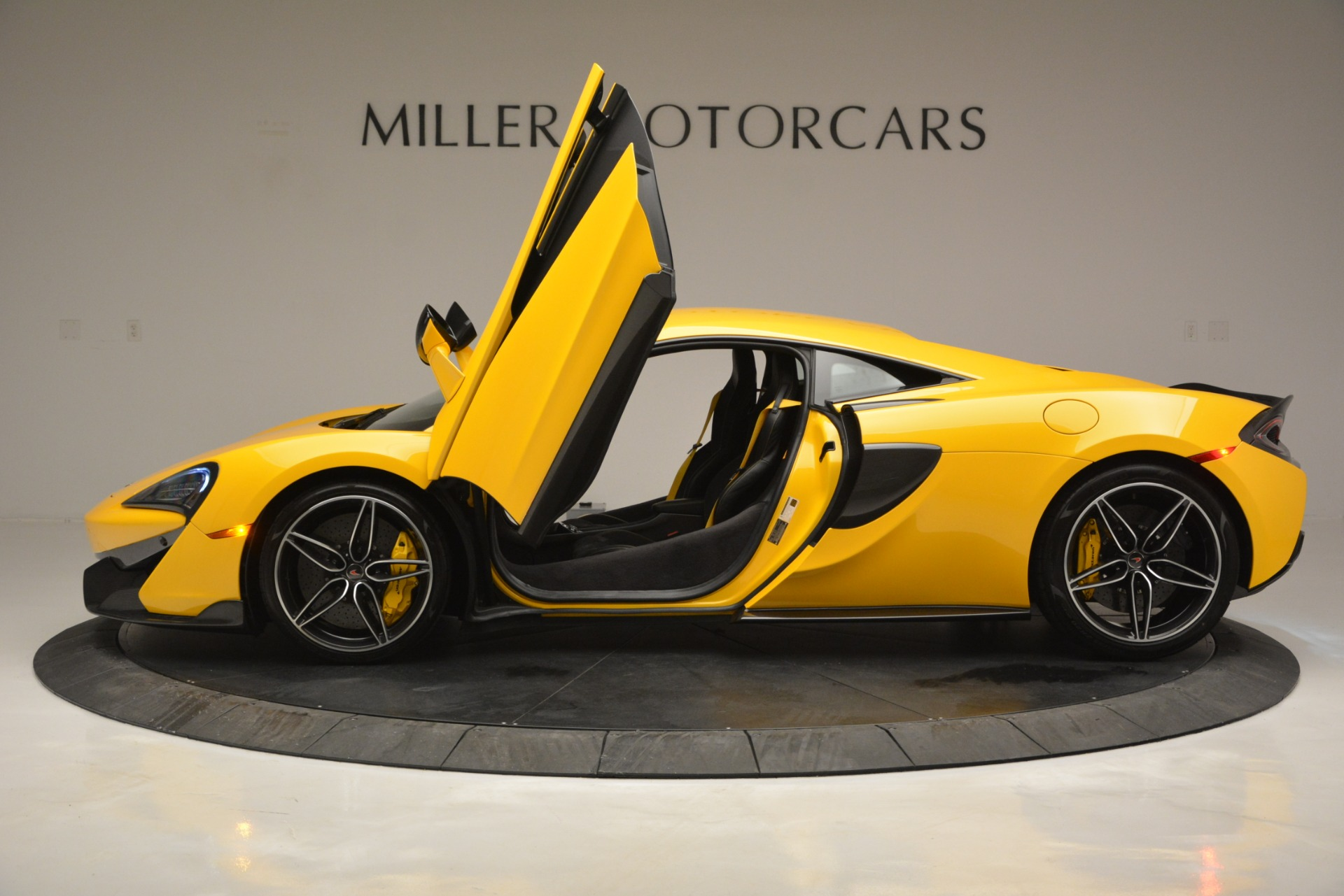 Used 2017 McLaren 570S  For Sale In Greenwich, CT 2843_p15
