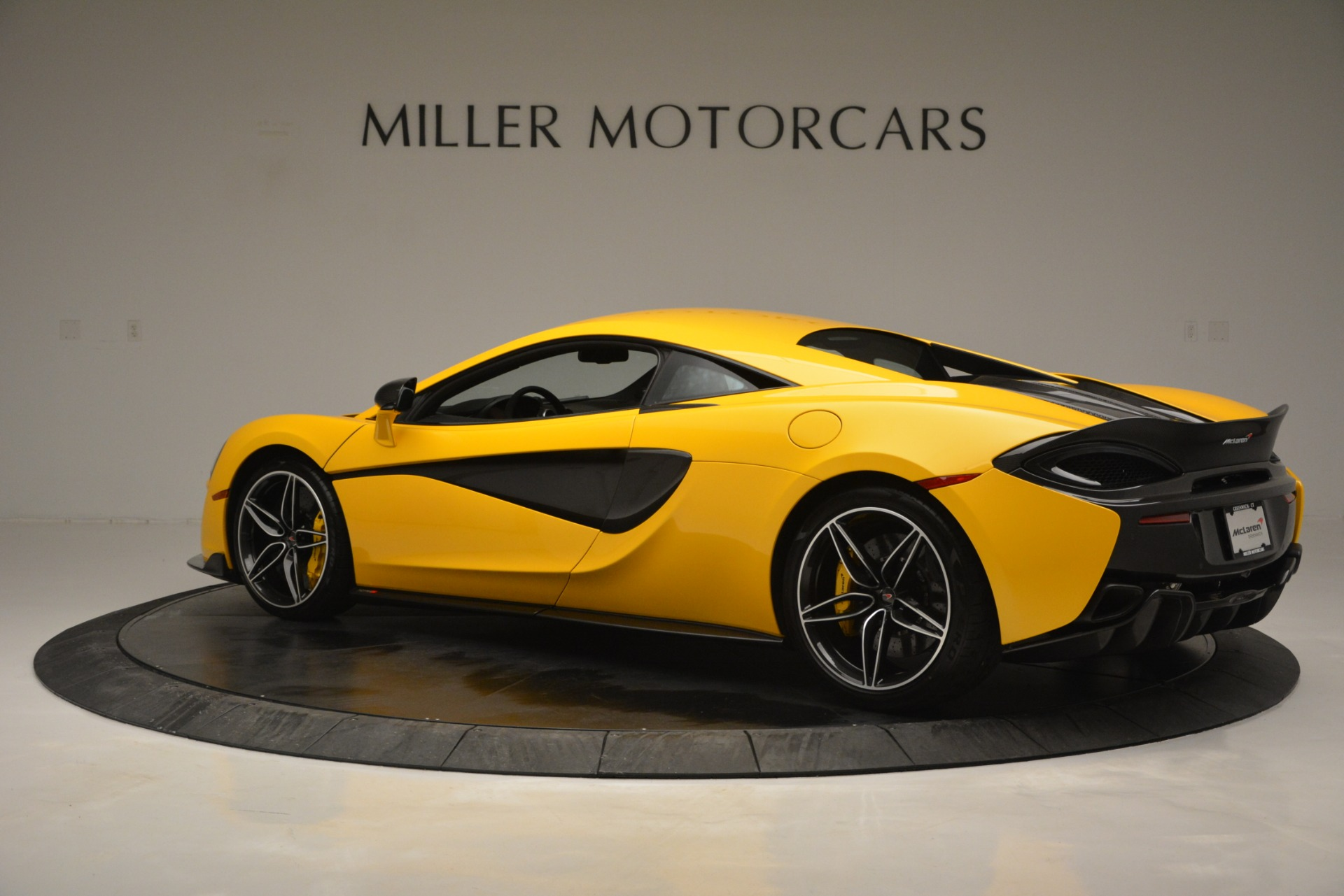 Used 2017 McLaren 570S  For Sale In Greenwich, CT 2843_p4