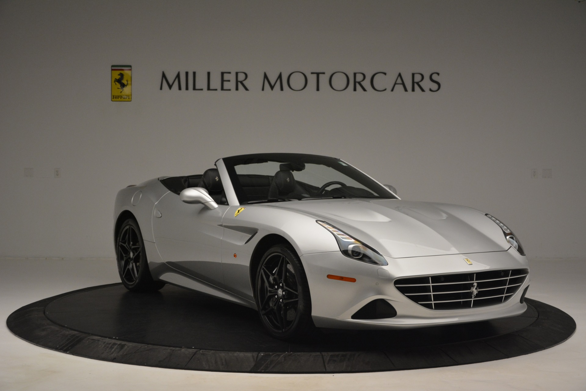 Used 2015 Ferrari California T  For Sale In Greenwich, CT 2846_p11