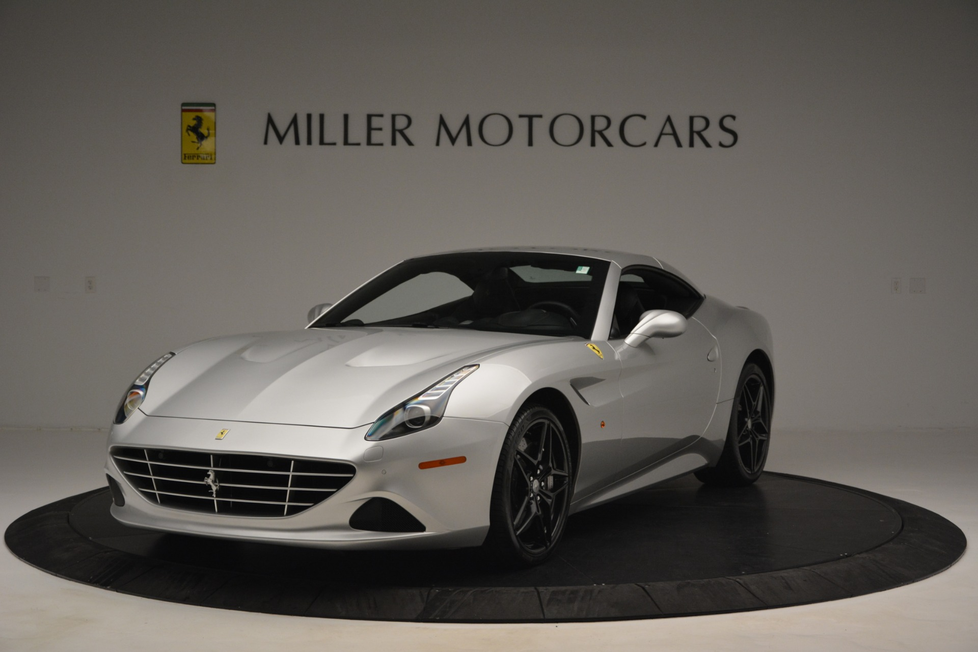 Used 2015 Ferrari California T  For Sale In Greenwich, CT 2846_p13