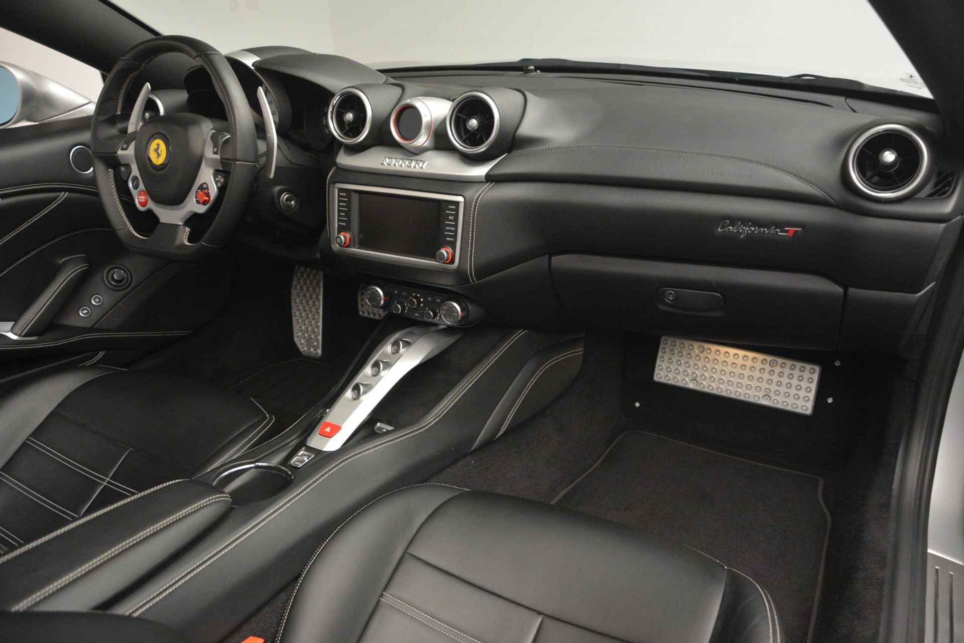 Used 2015 Ferrari California T  For Sale In Greenwich, CT 2846_p30