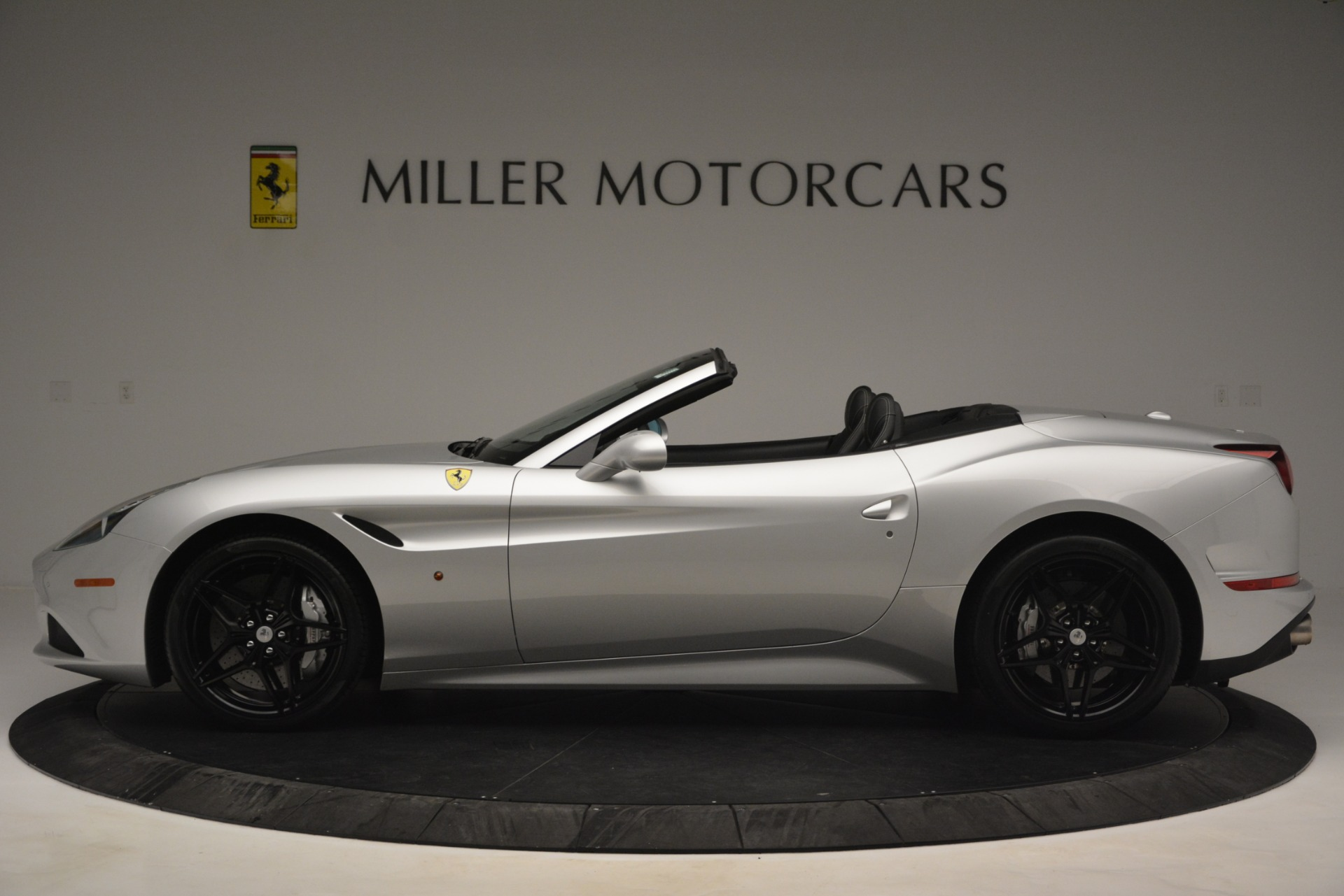 Used 2015 Ferrari California T  For Sale In Greenwich, CT 2846_p3