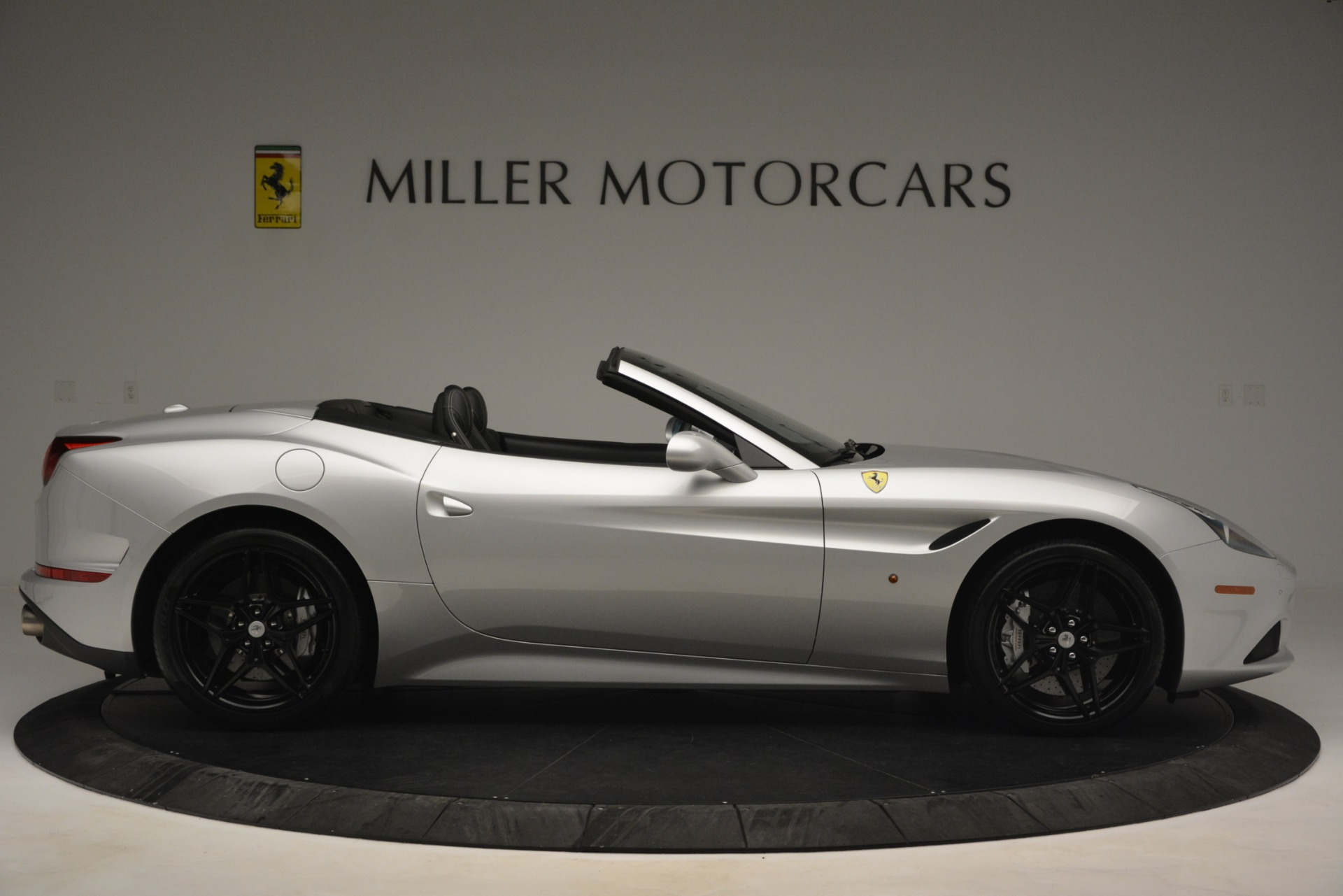 Used 2015 Ferrari California T  For Sale In Greenwich, CT 2846_p9
