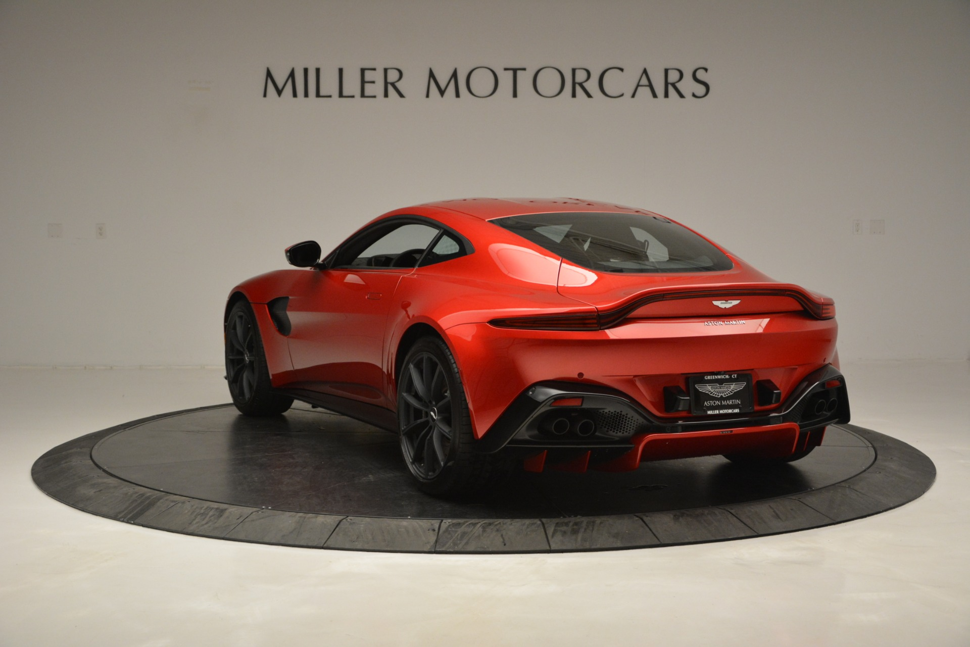 New 2019 Aston Martin Vantage  For Sale In Greenwich, CT 2866_p5