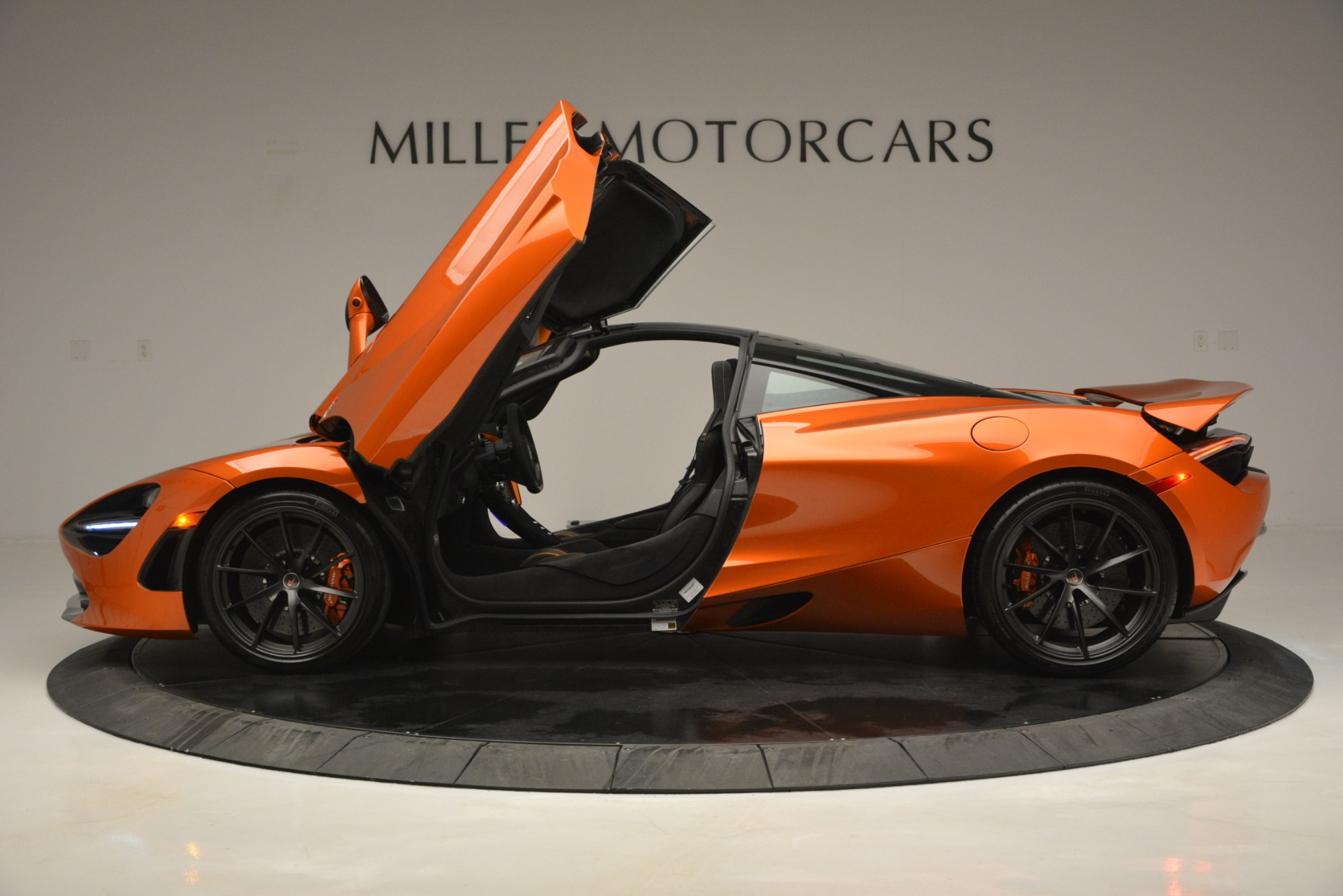 Used 2018 McLaren 720S Coupe For Sale In Greenwich, CT 2870_p15