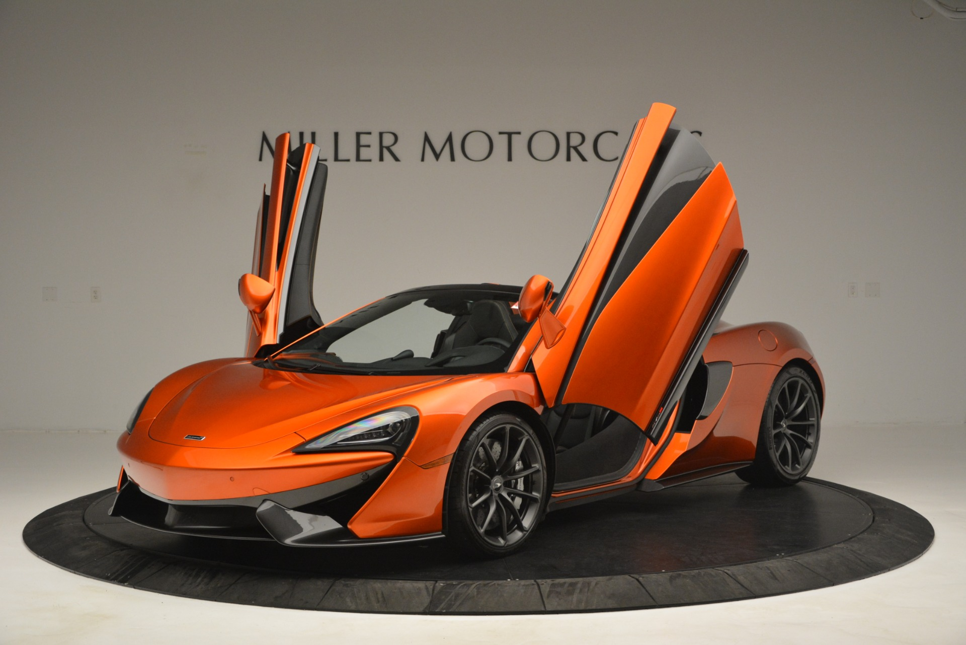 New 2019 McLaren 570S Spider Convertible For Sale In Greenwich, CT 2872_p13