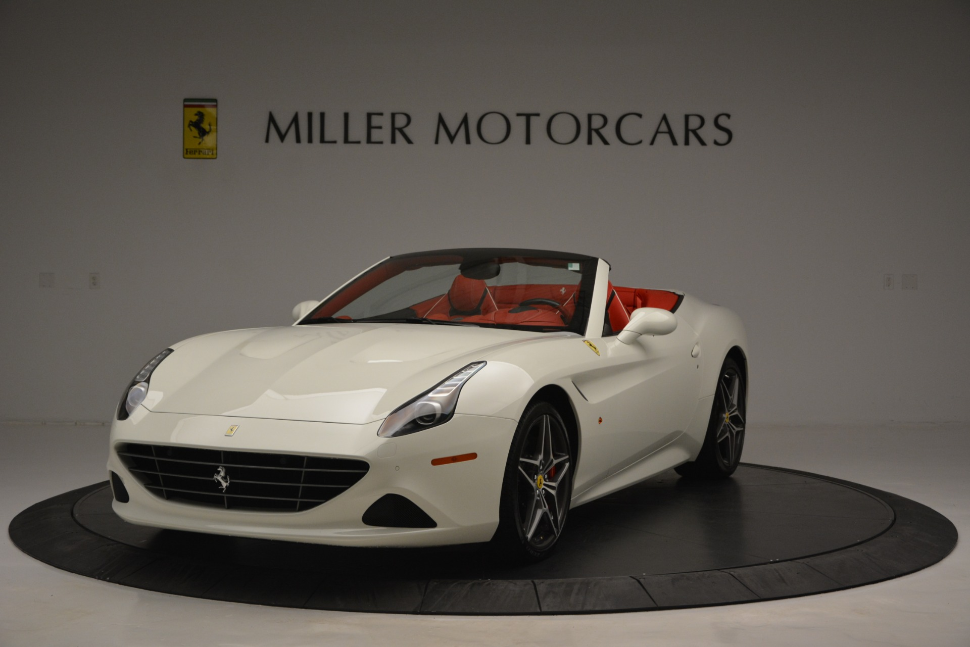 Used 2017 Ferrari California T Handling Speciale For Sale In Greenwich, CT 2881_main