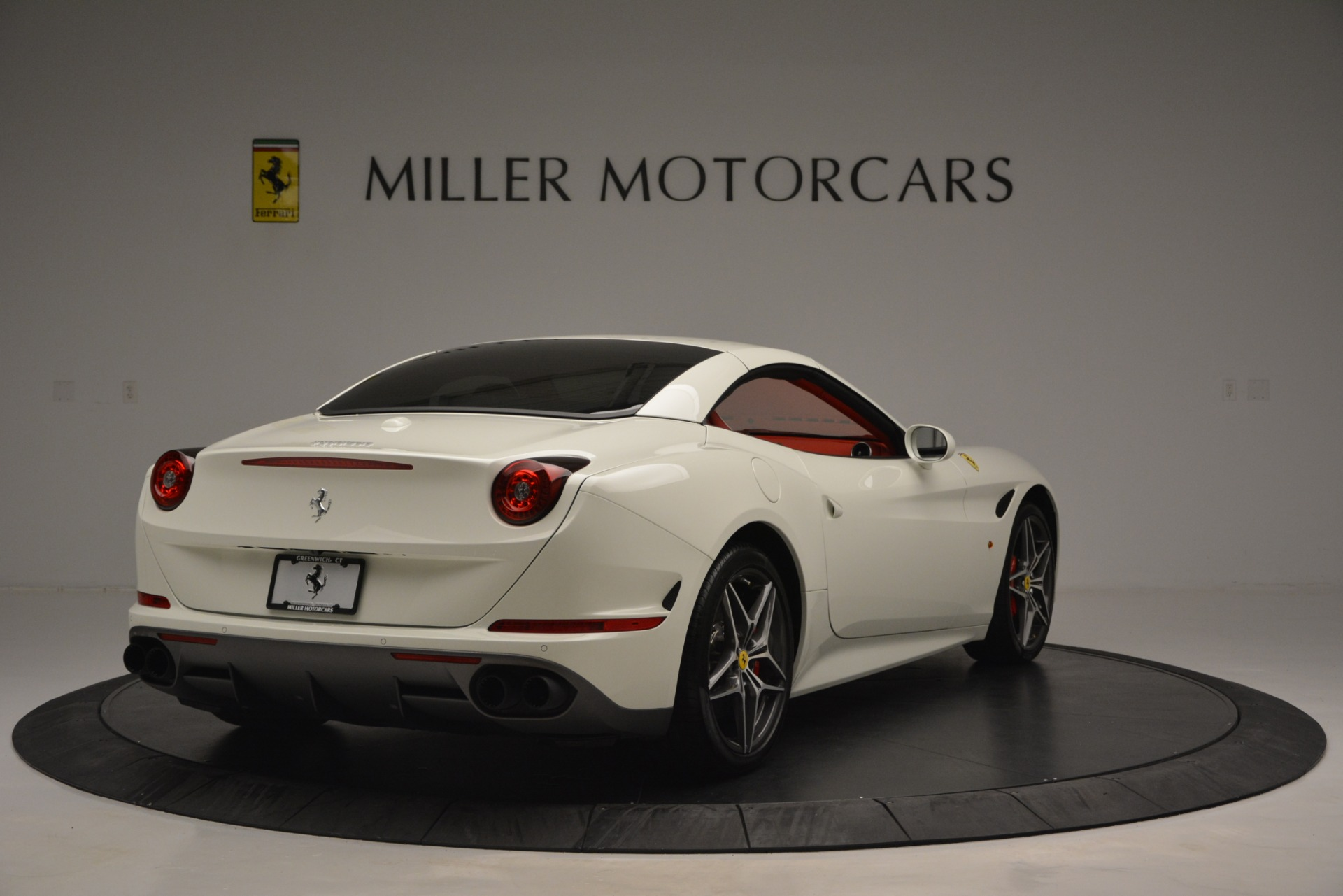 Used 2017 Ferrari California T Handling Speciale For Sale In Greenwich, CT 2881_p19