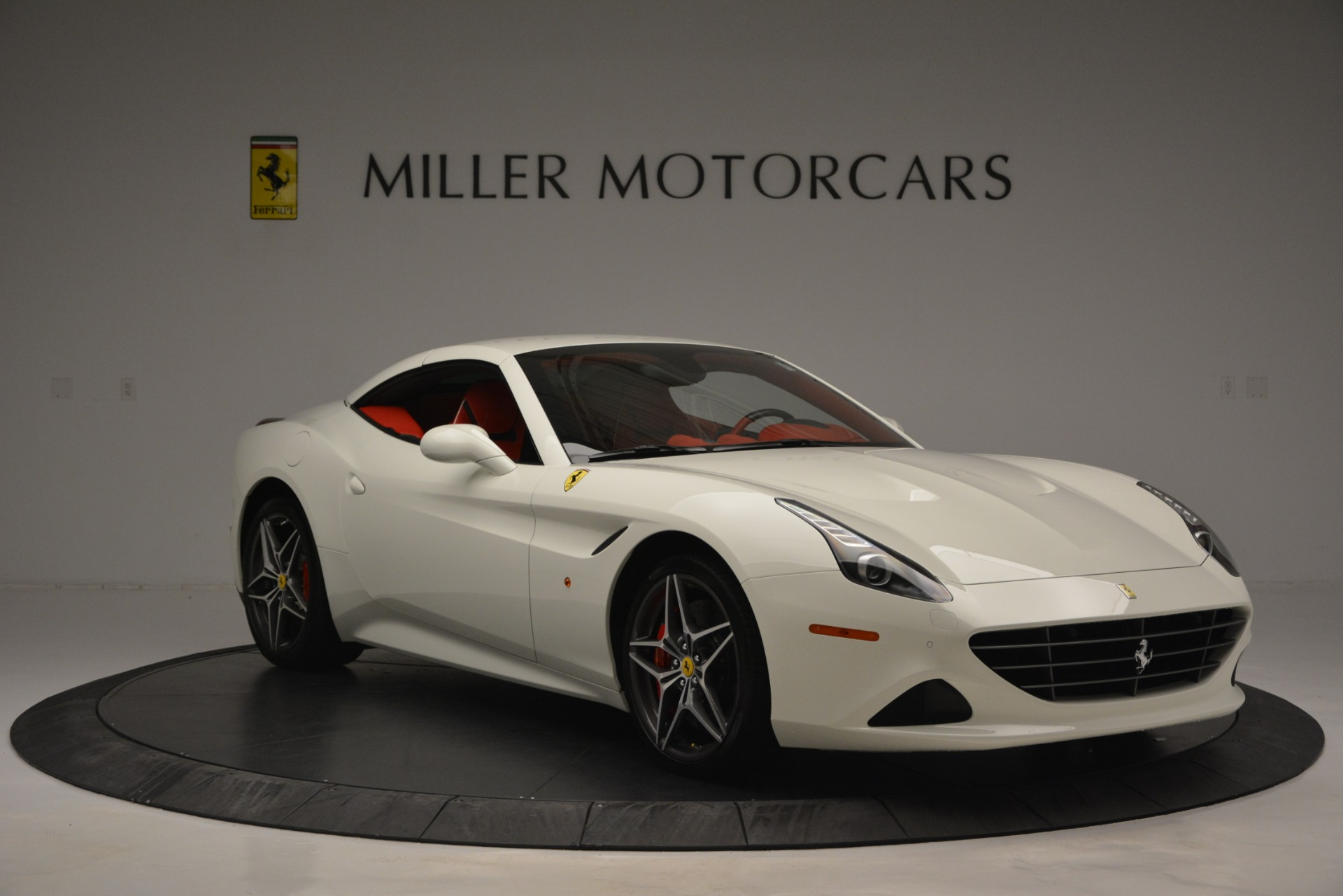Used 2017 Ferrari California T Handling Speciale For Sale In Greenwich, CT 2881_p23