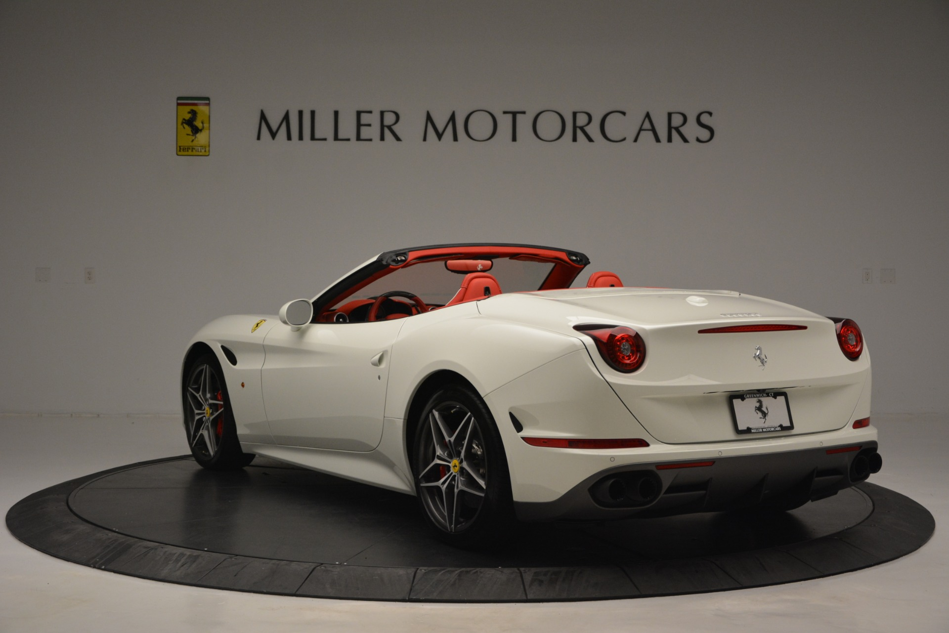 Used 2017 Ferrari California T Handling Speciale For Sale In Greenwich, CT 2881_p5