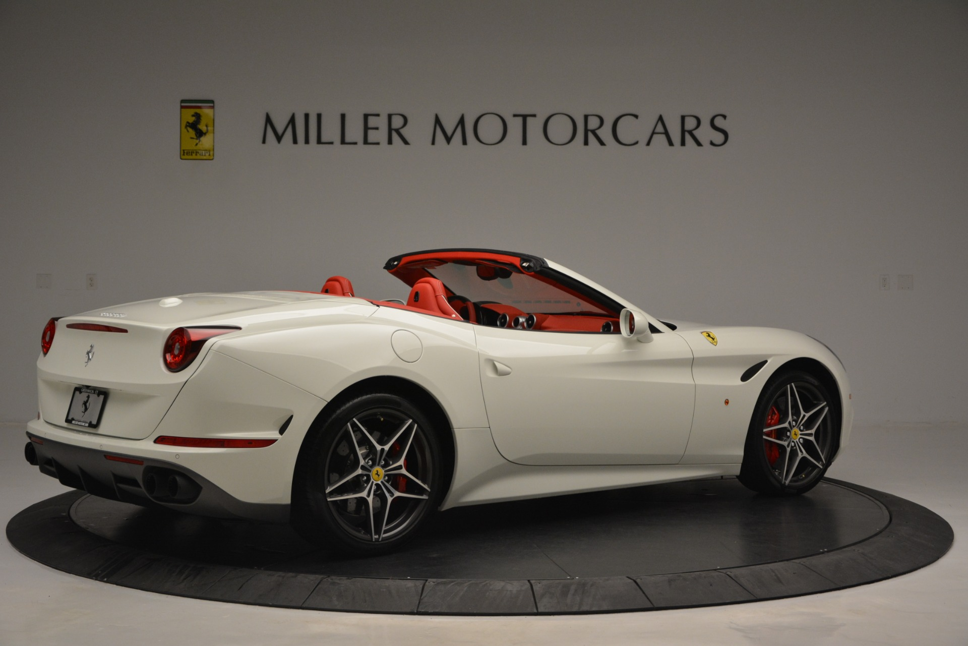 Used 2017 Ferrari California T Handling Speciale For Sale In Greenwich, CT 2881_p8