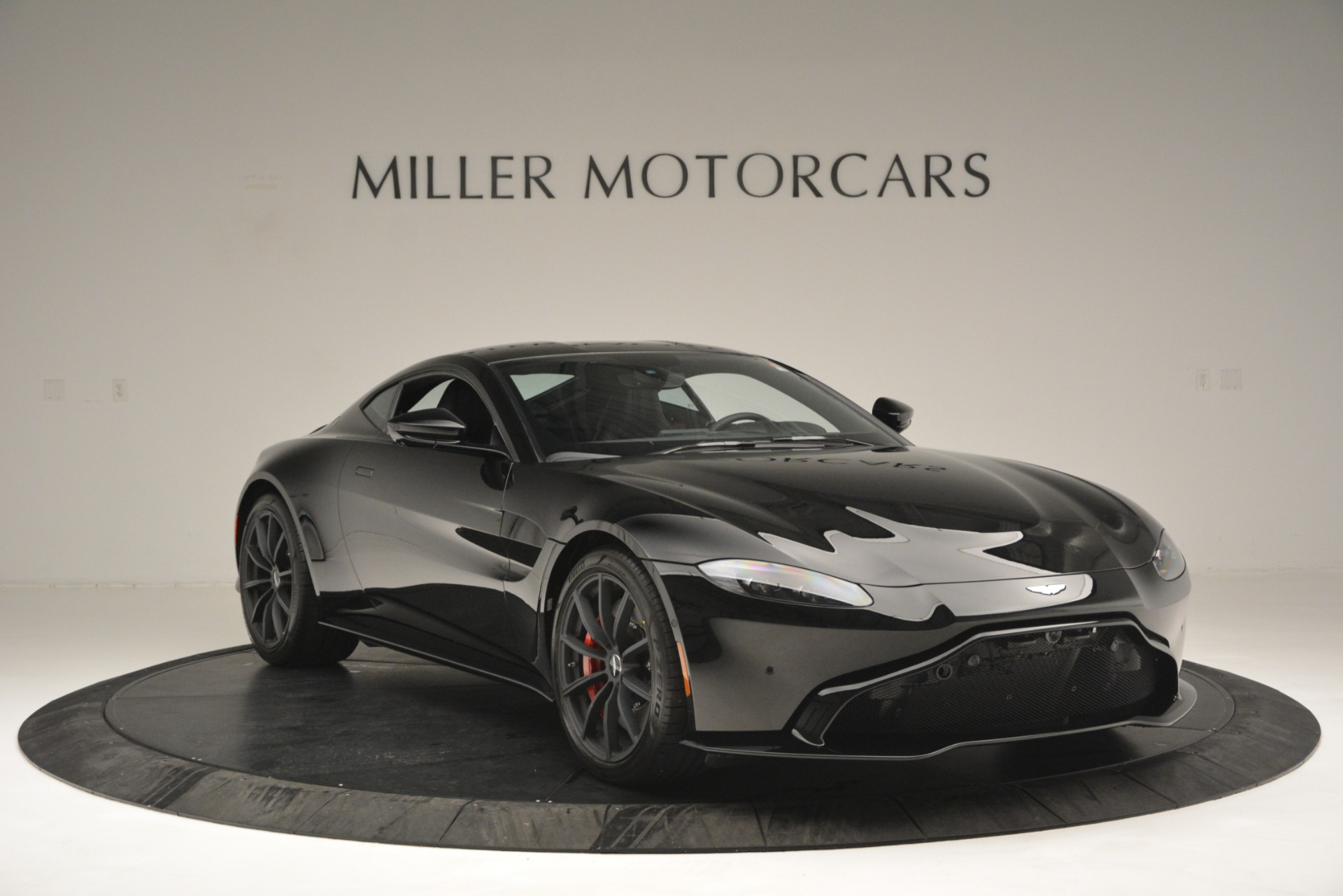 New 2019 Aston Martin Vantage  For Sale In Greenwich, CT 2886_p11