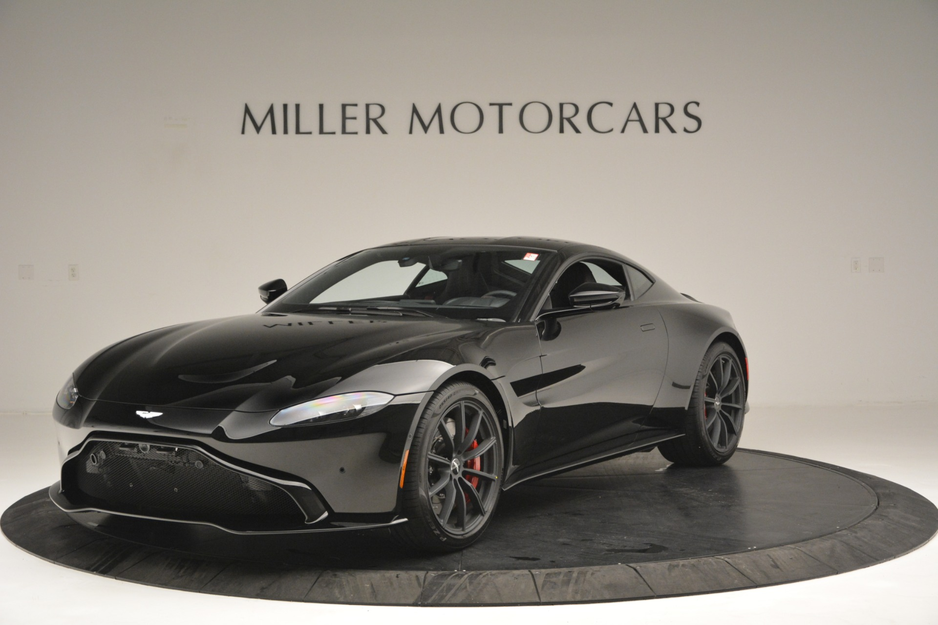 New 2019 Aston Martin Vantage  For Sale In Greenwich, CT 2886_p2