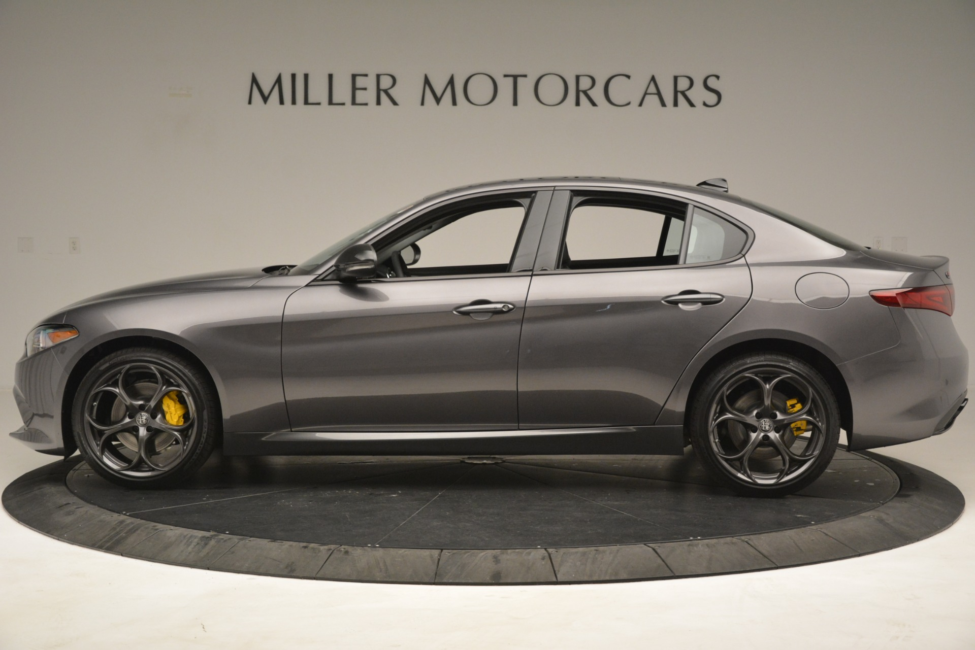 New 2019 Alfa Romeo Giulia Sport Q4 For Sale In Greenwich, CT 2893_p3
