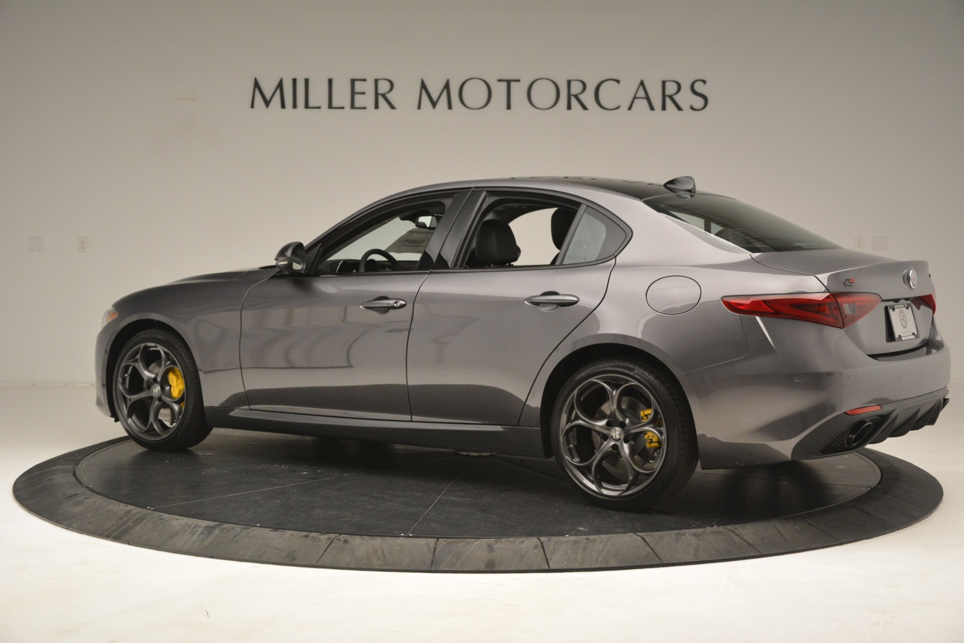 New 2019 Alfa Romeo Giulia Sport Q4 For Sale In Greenwich, CT 2893_p4