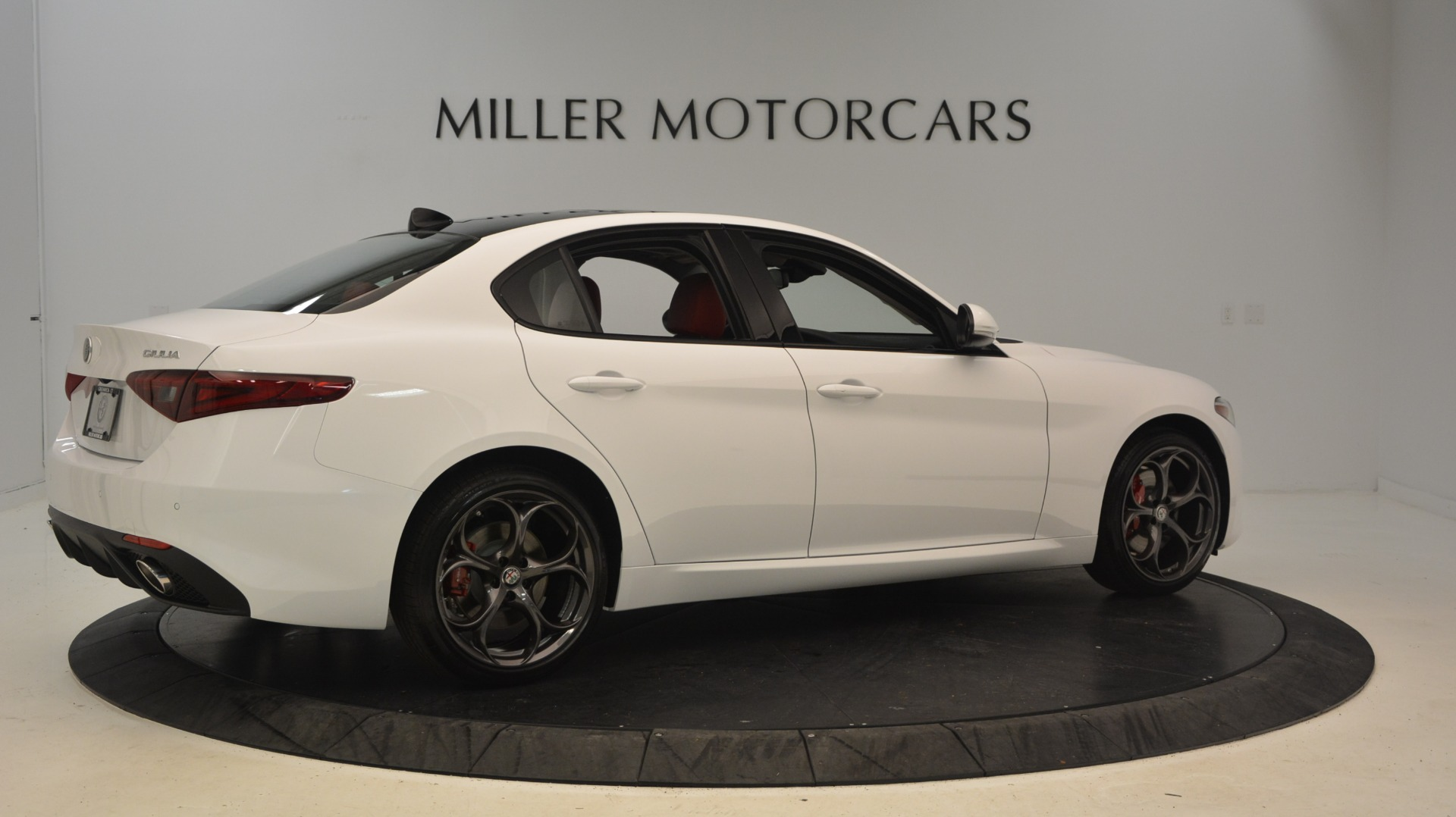 New 2019 Alfa Romeo Giulia Ti Sport Q4 For Sale In Greenwich, CT 2897_p8