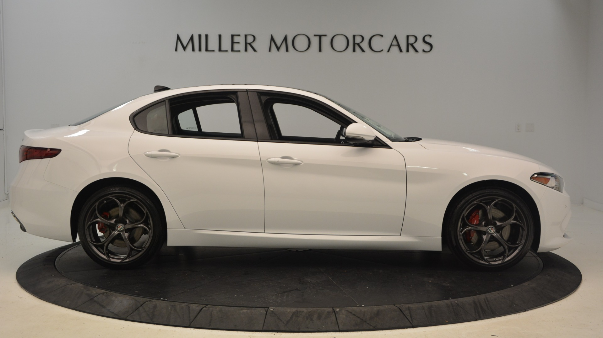 New 2019 Alfa Romeo Giulia Ti Sport Q4 For Sale In Greenwich, CT 2897_p9