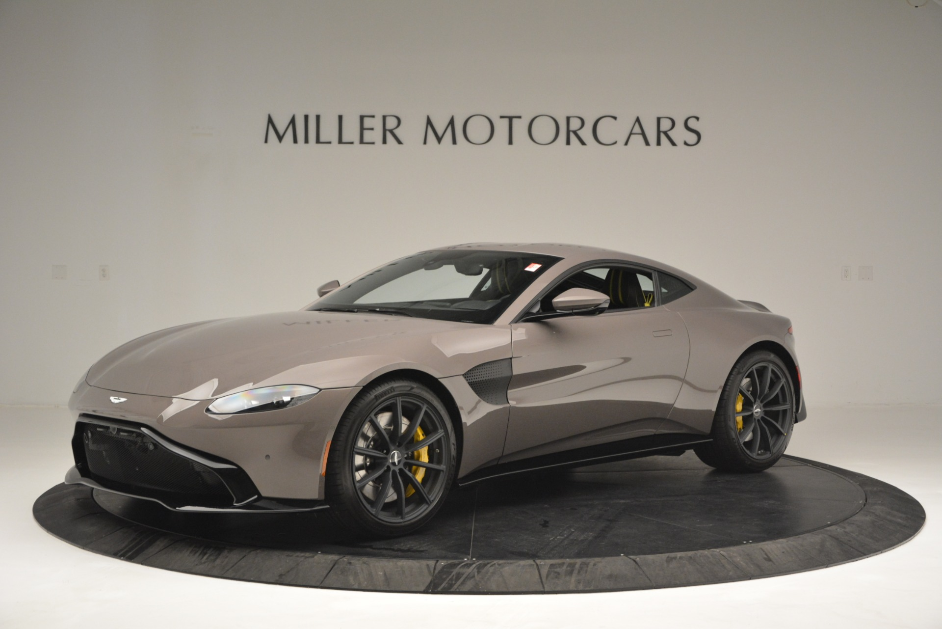 Used 2019 Aston Martin Vantage Coupe For Sale In Greenwich, CT 2901_main