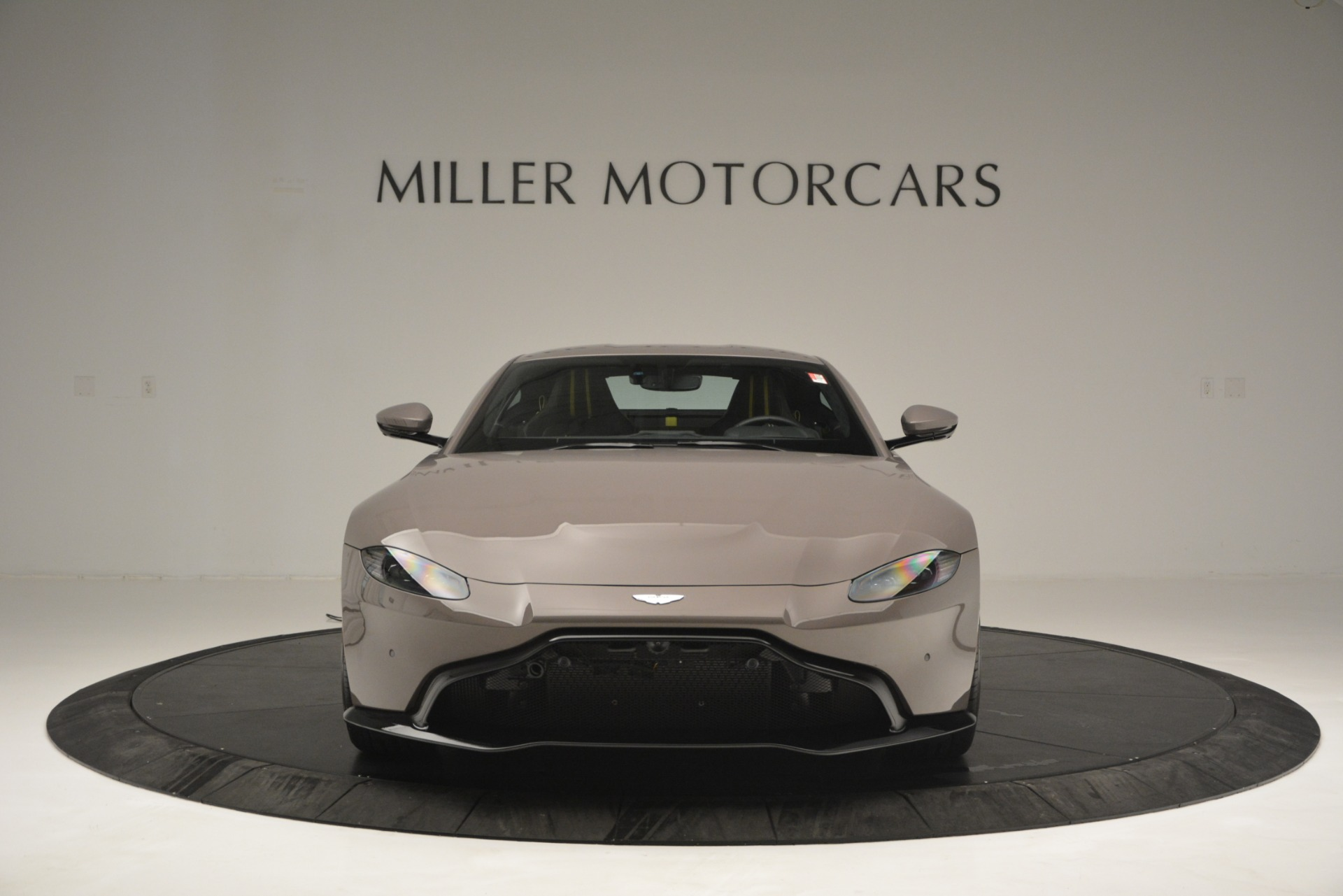 Used 2019 Aston Martin Vantage Coupe For Sale In Greenwich, CT 2901_p12