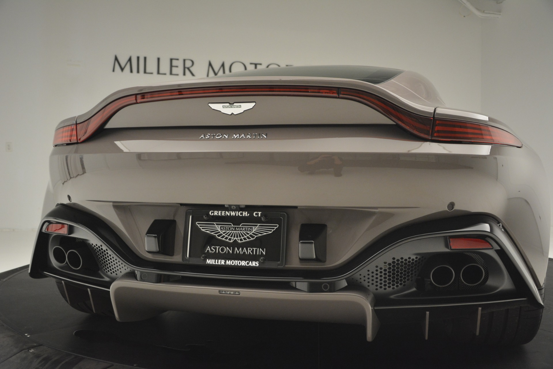 New 2019 Aston Martin Vantage Coupe For Sale In Greenwich, CT 2901_p21