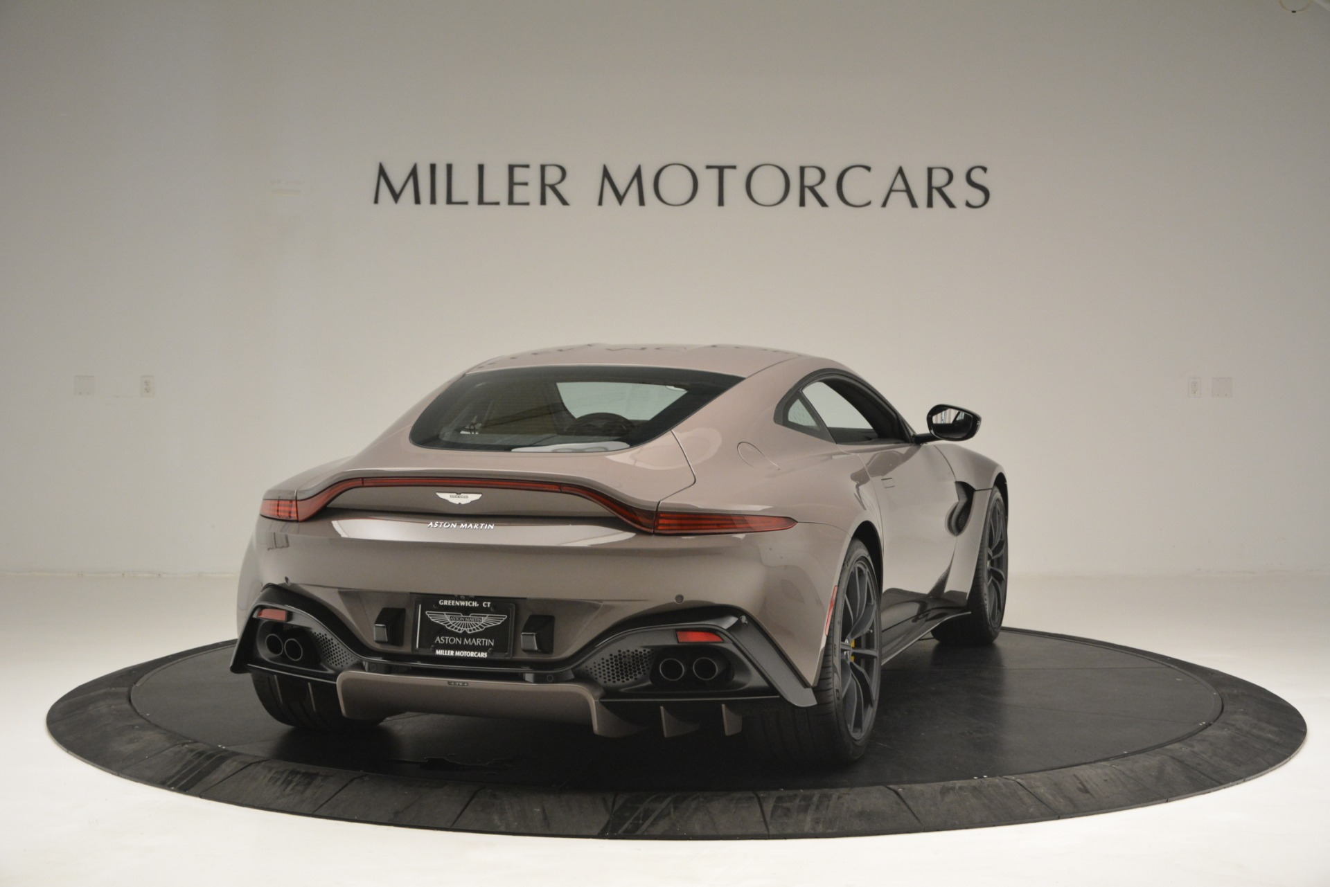 New 2019 Aston Martin Vantage Coupe For Sale In Greenwich, CT 2901_p3