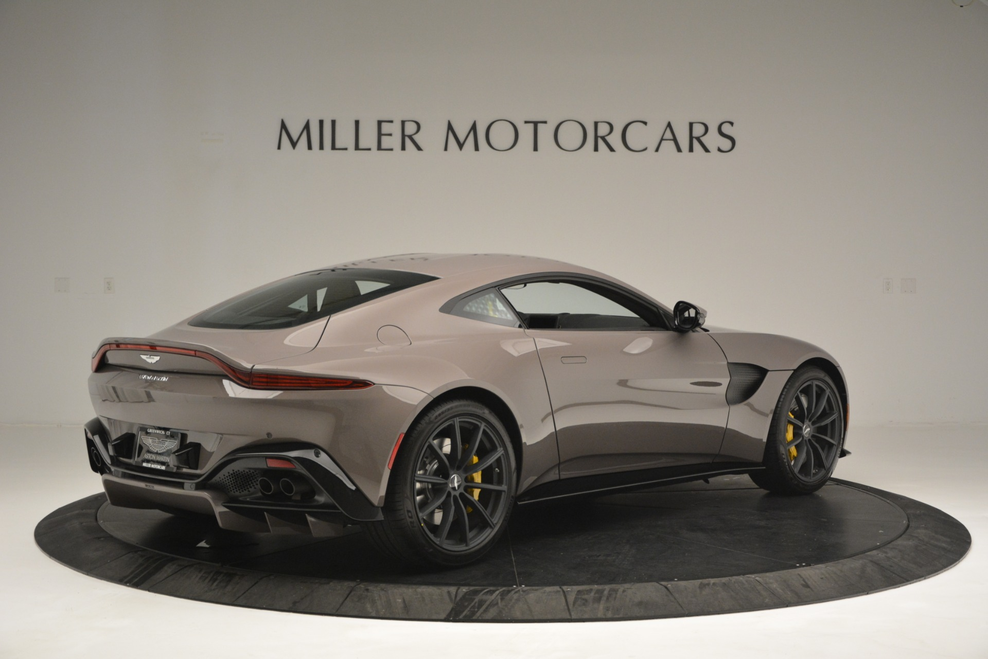 New 2019 Aston Martin Vantage Coupe For Sale In Greenwich, CT 2901_p4
