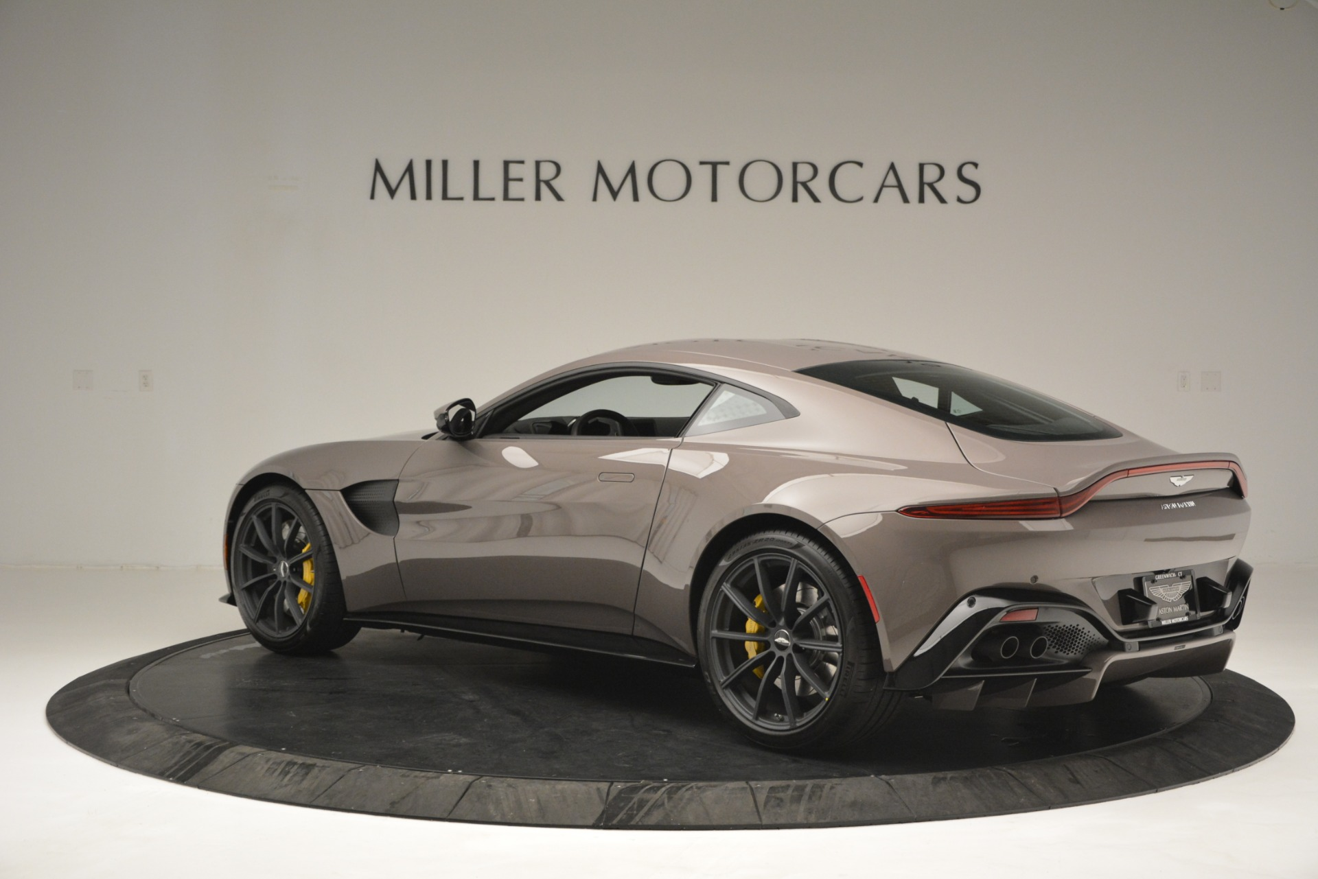 New 2019 Aston Martin Vantage Coupe For Sale In Greenwich, CT 2901_p6