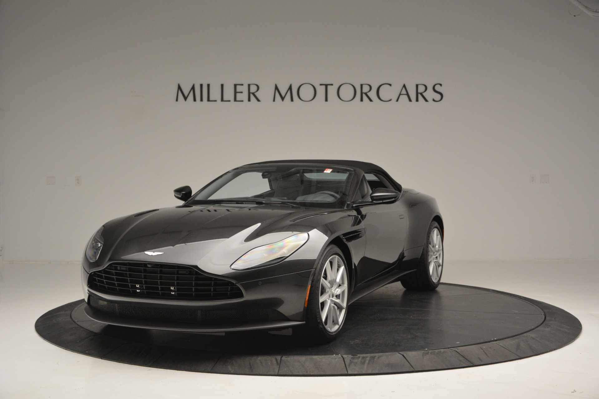 New 2019 Aston Martin DB11 V8 Convertible For Sale In Greenwich, CT 2902_p13